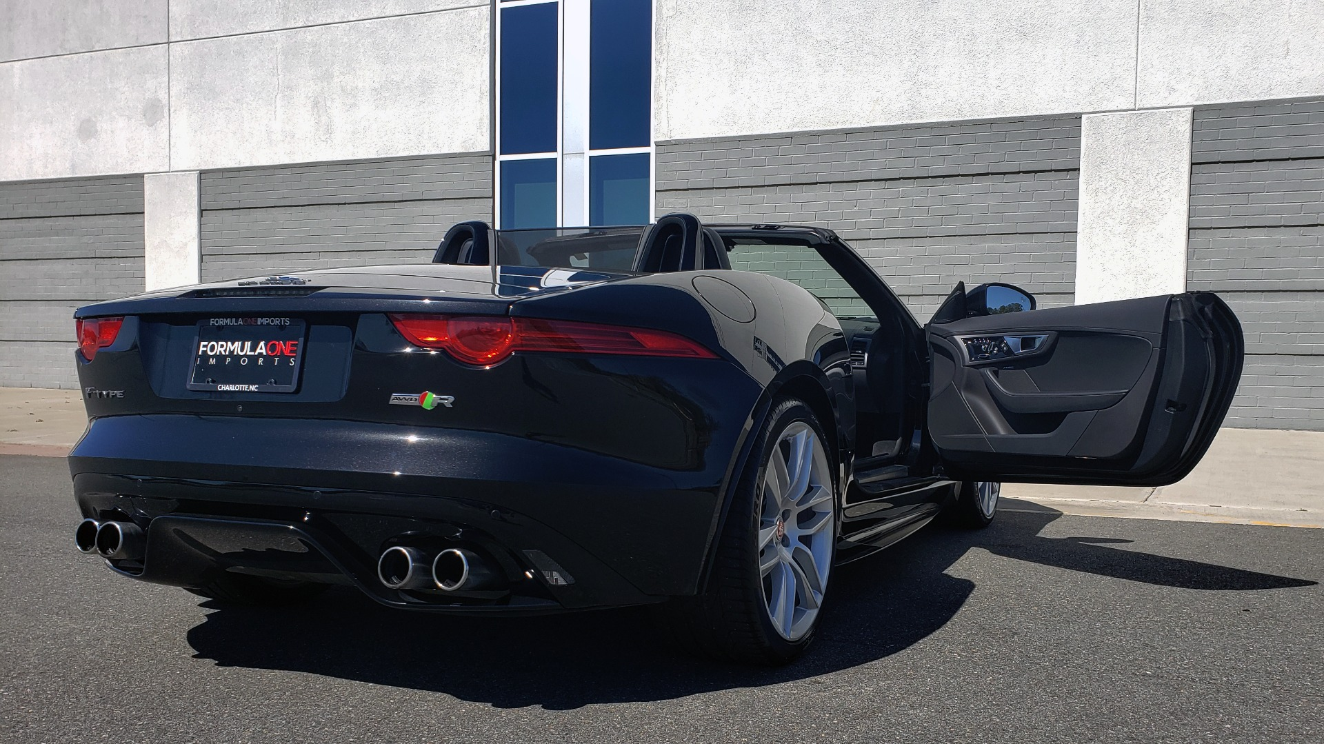 Used 2016 Jaguar F-TYPE R CONVERTIBLE / SC 5.0L 550HP / VISION PACK 3 / BSM / REARVIEW for sale $63,000 at Formula Imports in Charlotte NC 28227 78