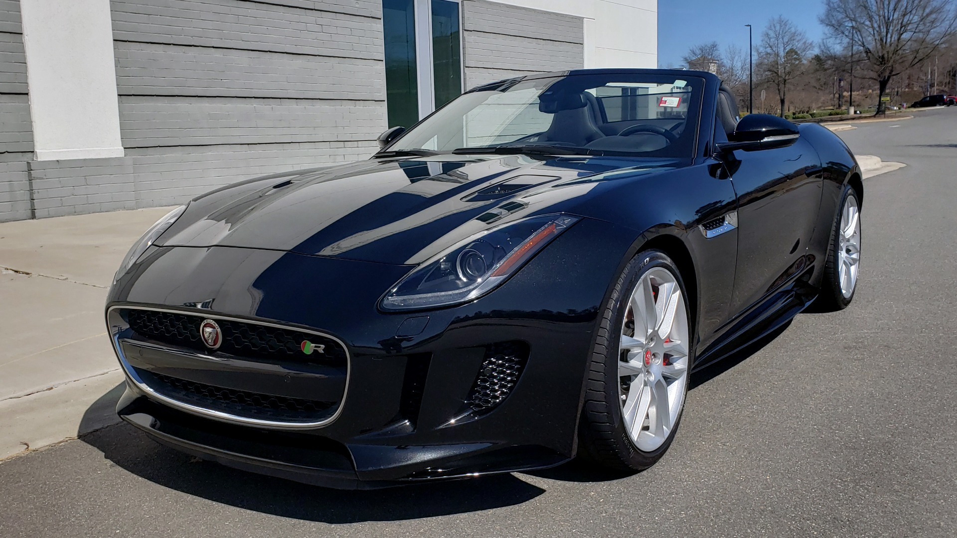 Used 2016 Jaguar F-TYPE R CONVERTIBLE / SC 5.0L 550HP / VISION PACK 3 / BSM / REARVIEW for sale $63,000 at Formula Imports in Charlotte NC 28227 1