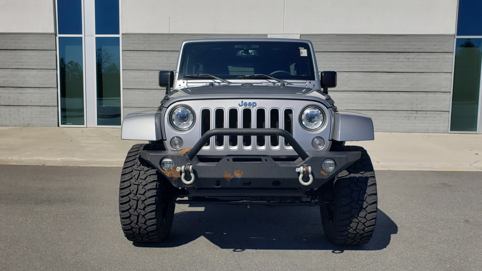 Used 2017 Jeep WRANGLER UNLIMITED SAHARA 4X4 / 3-PC FREEDOM TOP / 3.6L V6 / 5-SPD AUTO for sale Sold at Formula Imports in Charlotte NC 28227 27