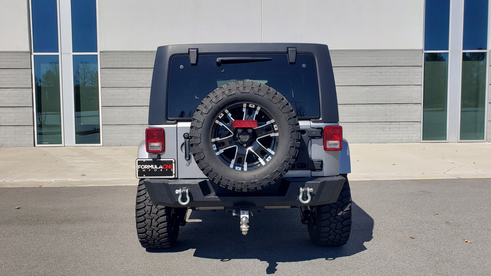 Used 2017 Jeep WRANGLER UNLIMITED SAHARA 4X4 / 3-PC FREEDOM TOP / 3.6L V6 / 5-SPD AUTO for sale Sold at Formula Imports in Charlotte NC 28227 32