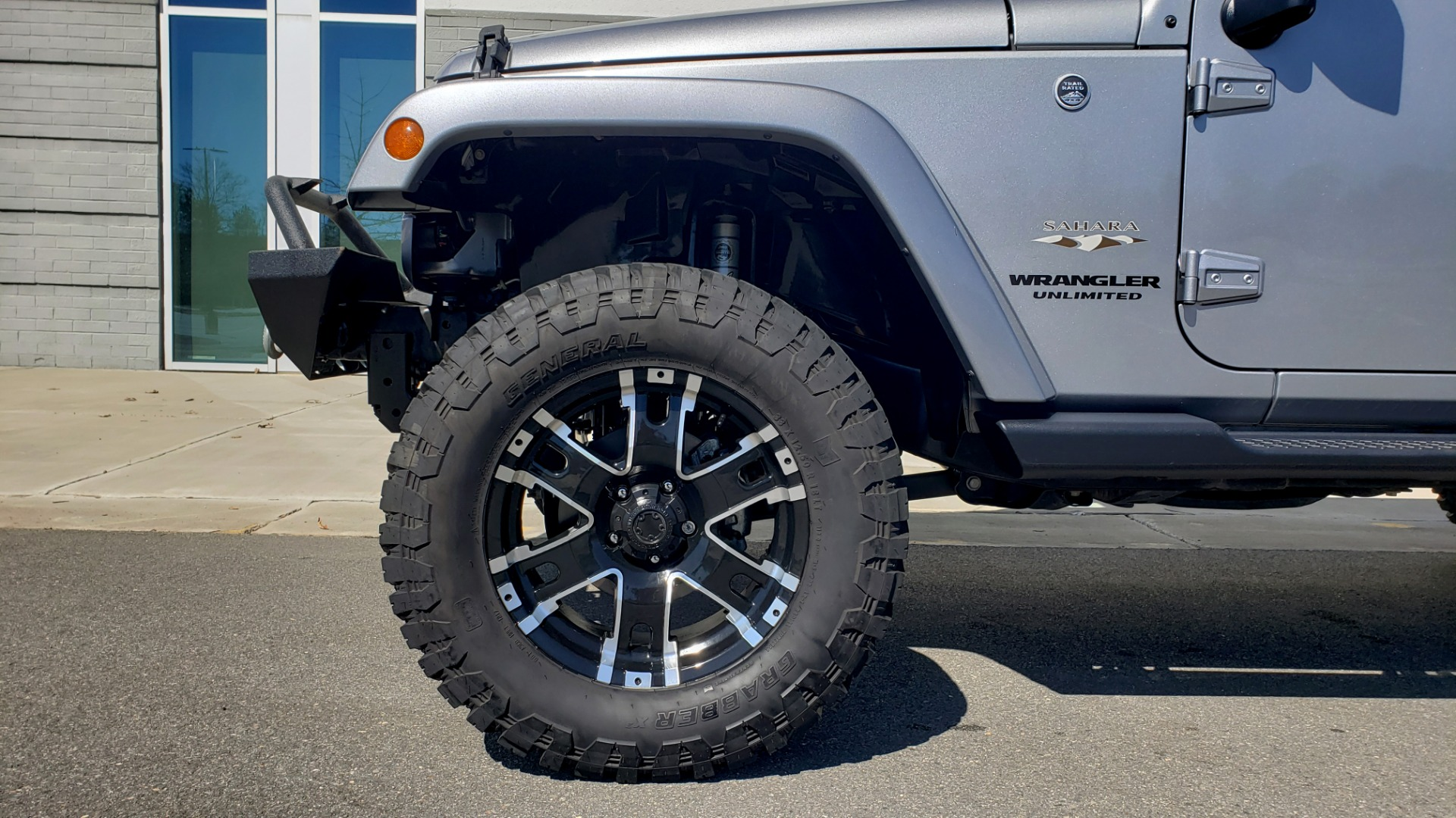 Used 2017 Jeep WRANGLER UNLIMITED SAHARA 4X4 / 3-PC FREEDOM TOP / 3.6L V6 / 5-SPD AUTO for sale Sold at Formula Imports in Charlotte NC 28227 6