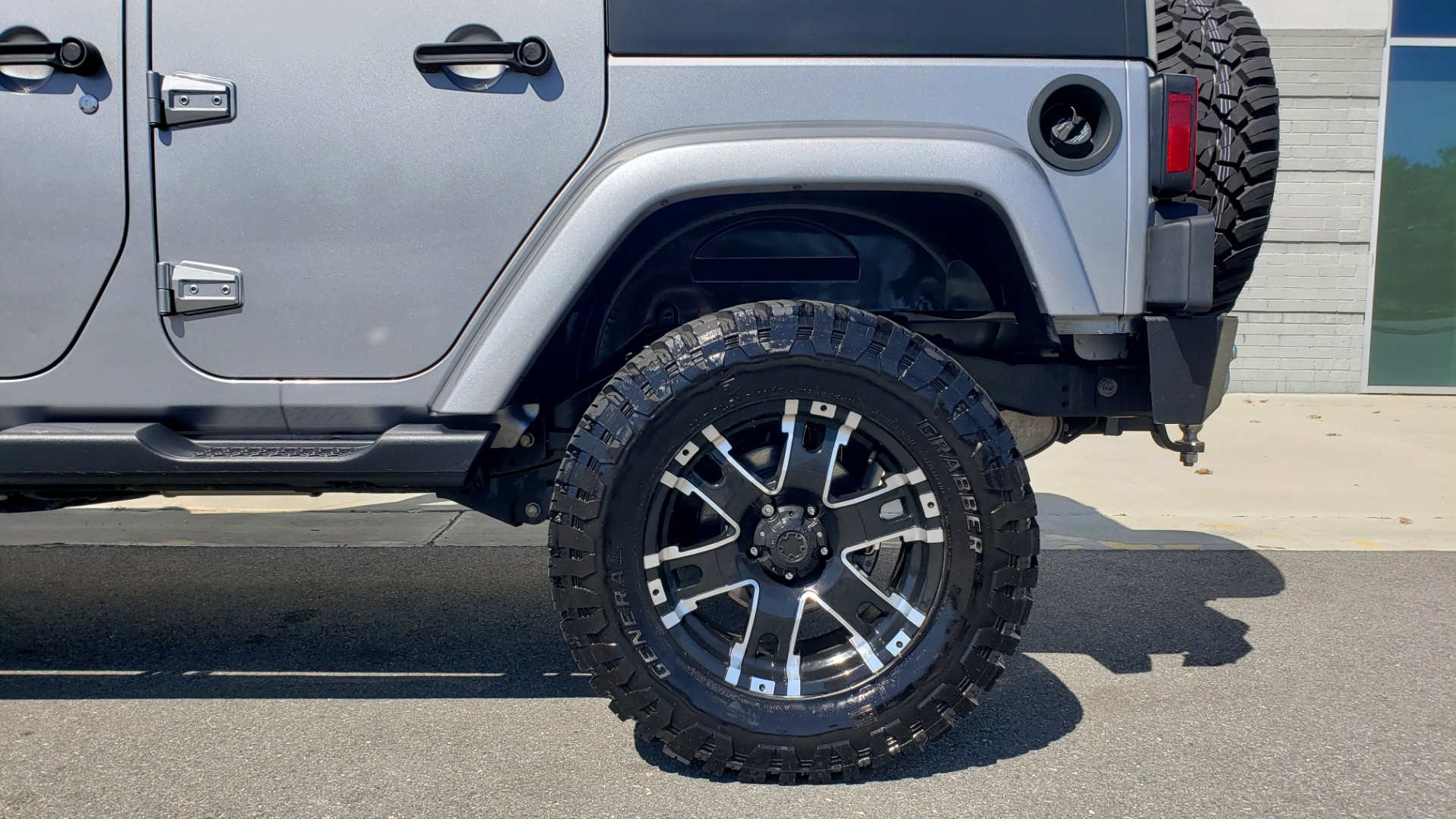 Used 2017 Jeep WRANGLER UNLIMITED SAHARA 4X4 / 3-PC FREEDOM TOP / 3.6L V6 / 5-SPD AUTO for sale Sold at Formula Imports in Charlotte NC 28227 7