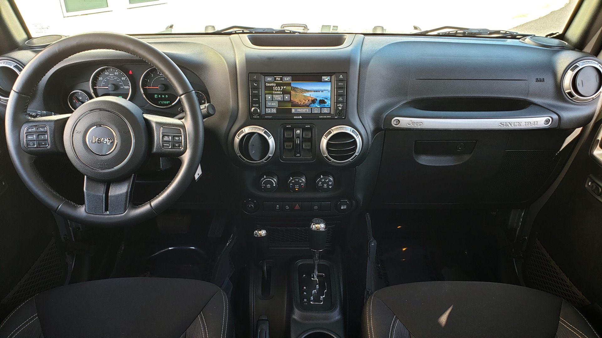 Used 2017 Jeep WRANGLER UNLIMITED SAHARA 4X4 / 3-PC FREEDOM TOP / 3.6L V6 / 5-SPD AUTO for sale Sold at Formula Imports in Charlotte NC 28227 74