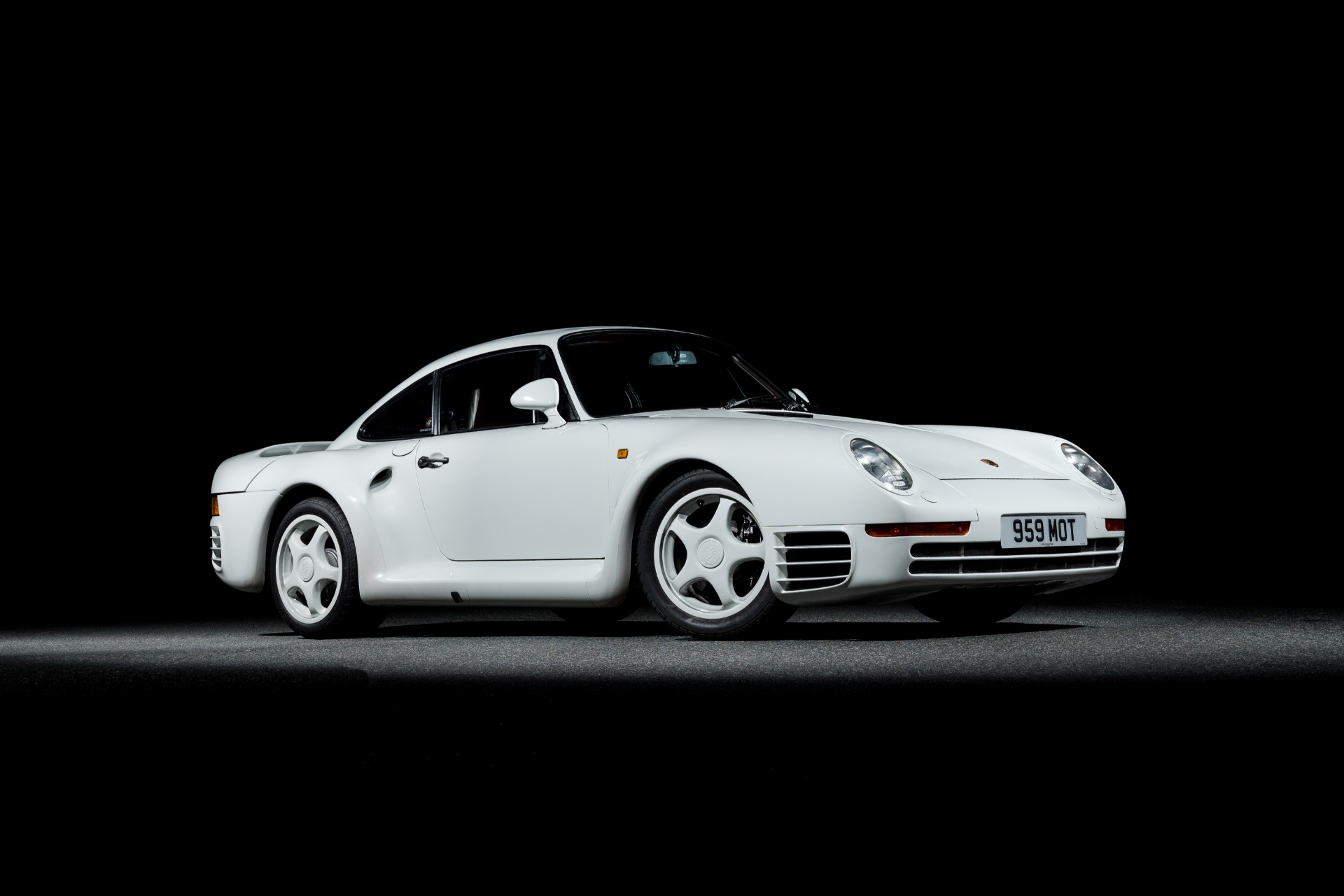 Used 1988 Porsche 959 KOMFORT COUPE / AWD / 6-SPEED MANUAL / ORIGINAL SUPERCAR for sale $1,425,000 at Formula Imports in Charlotte NC 28227 19