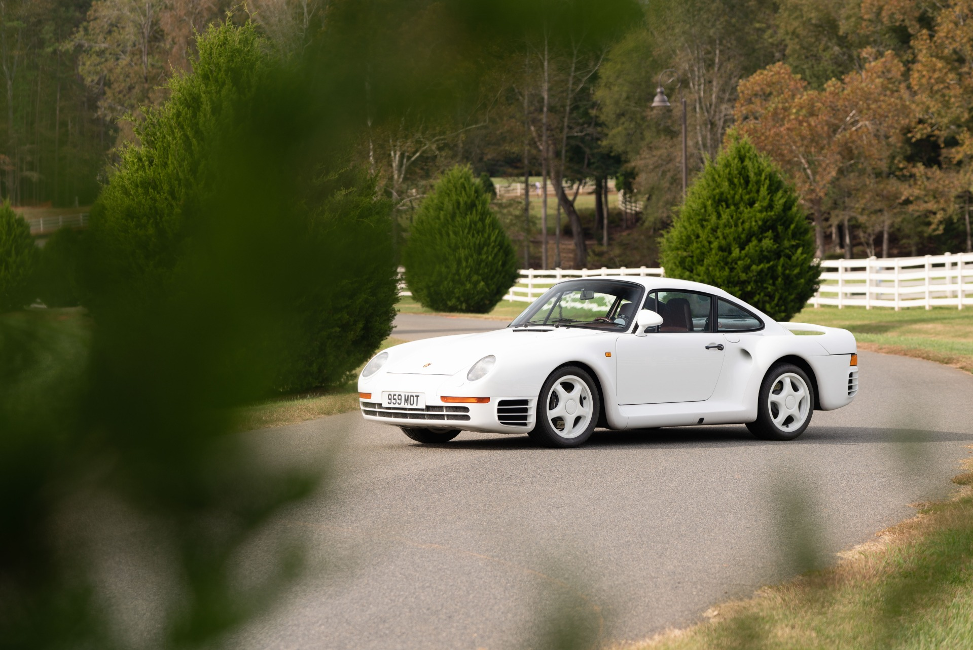 Used 1988 Porsche 959 KOMFORT COUPE / AWD / 6-SPEED MANUAL / ORIGINAL SUPERCAR for sale $1,425,000 at Formula Imports in Charlotte NC 28227 23