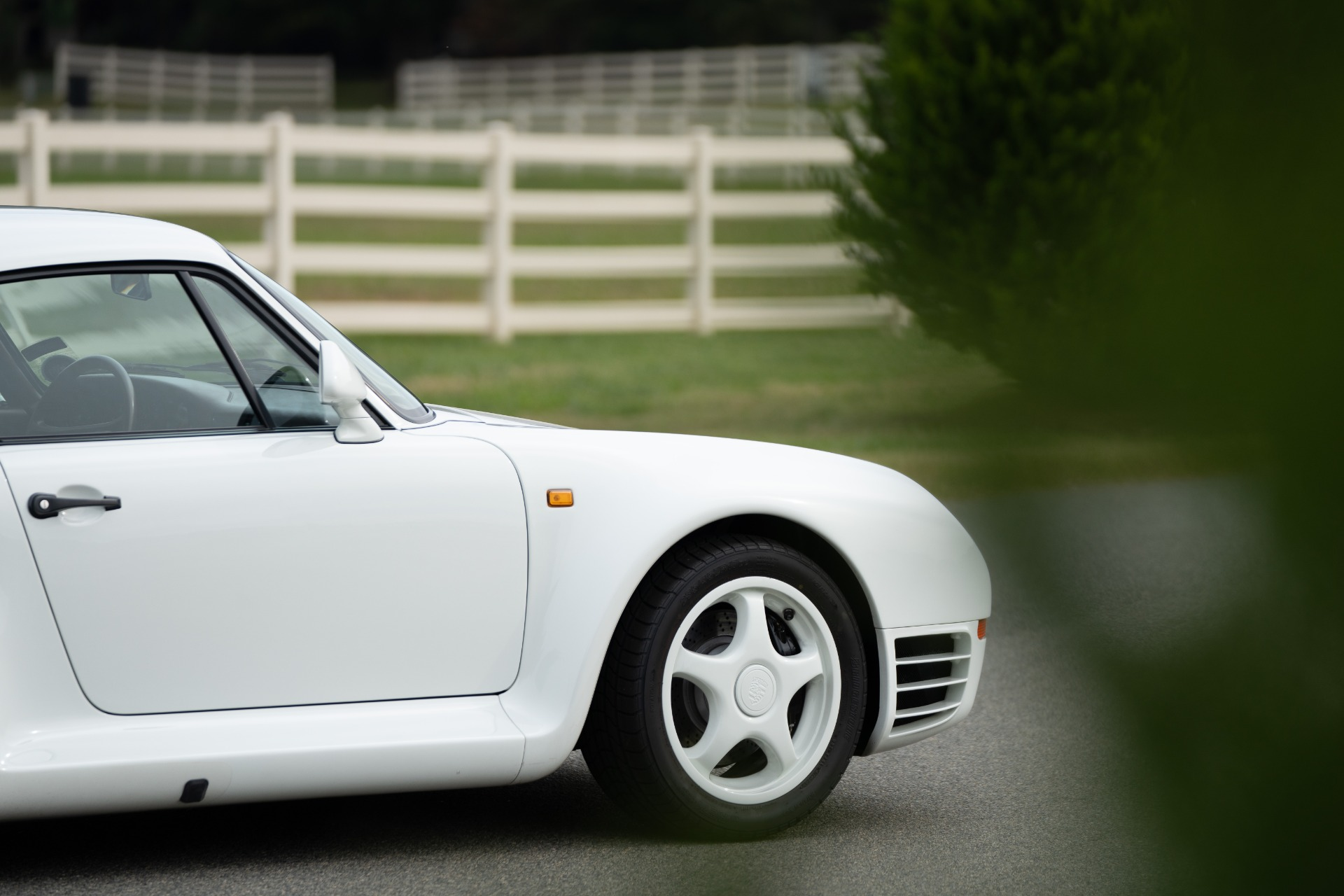 Used 1988 Porsche 959 KOMFORT COUPE / AWD / 6-SPEED MANUAL / ORIGINAL SUPERCAR for sale $1,425,000 at Formula Imports in Charlotte NC 28227 29