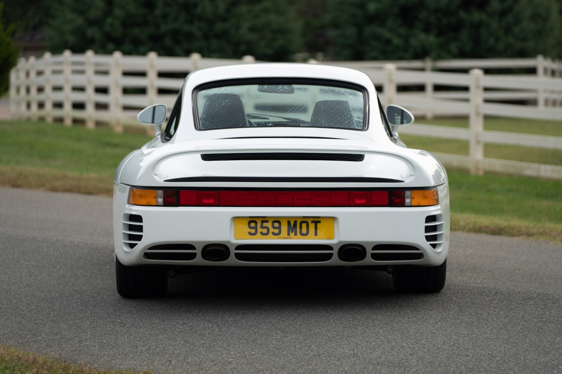 Used 1988 Porsche 959 KOMFORT COUPE / AWD / 6-SPEED MANUAL / ORIGINAL SUPERCAR for sale $1,399,999 at Formula Imports in Charlotte NC 28227 30
