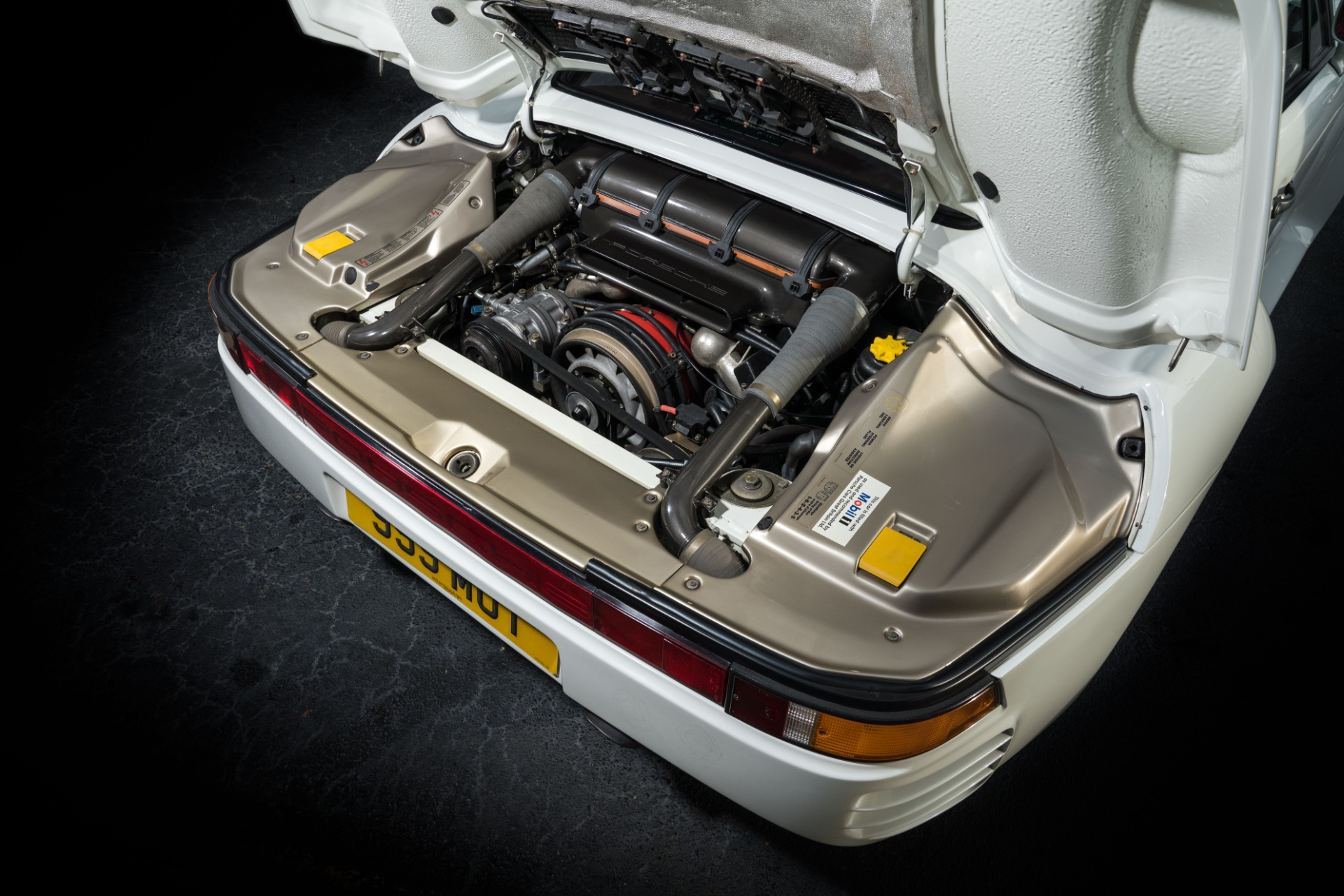 Used 1988 Porsche 959 KOMFORT COUPE / AWD / 6-SPEED MANUAL / ORIGINAL SUPERCAR for sale $1,399,999 at Formula Imports in Charlotte NC 28227 32