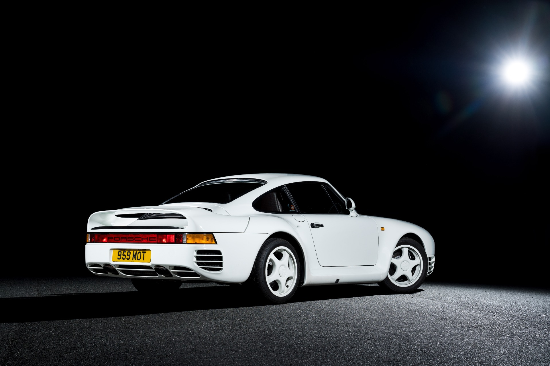 Used 1988 Porsche 959 KOMFORT COUPE / AWD / 6-SPEED MANUAL / ORIGINAL SUPERCAR for sale $1,399,999 at Formula Imports in Charlotte NC 28227 6
