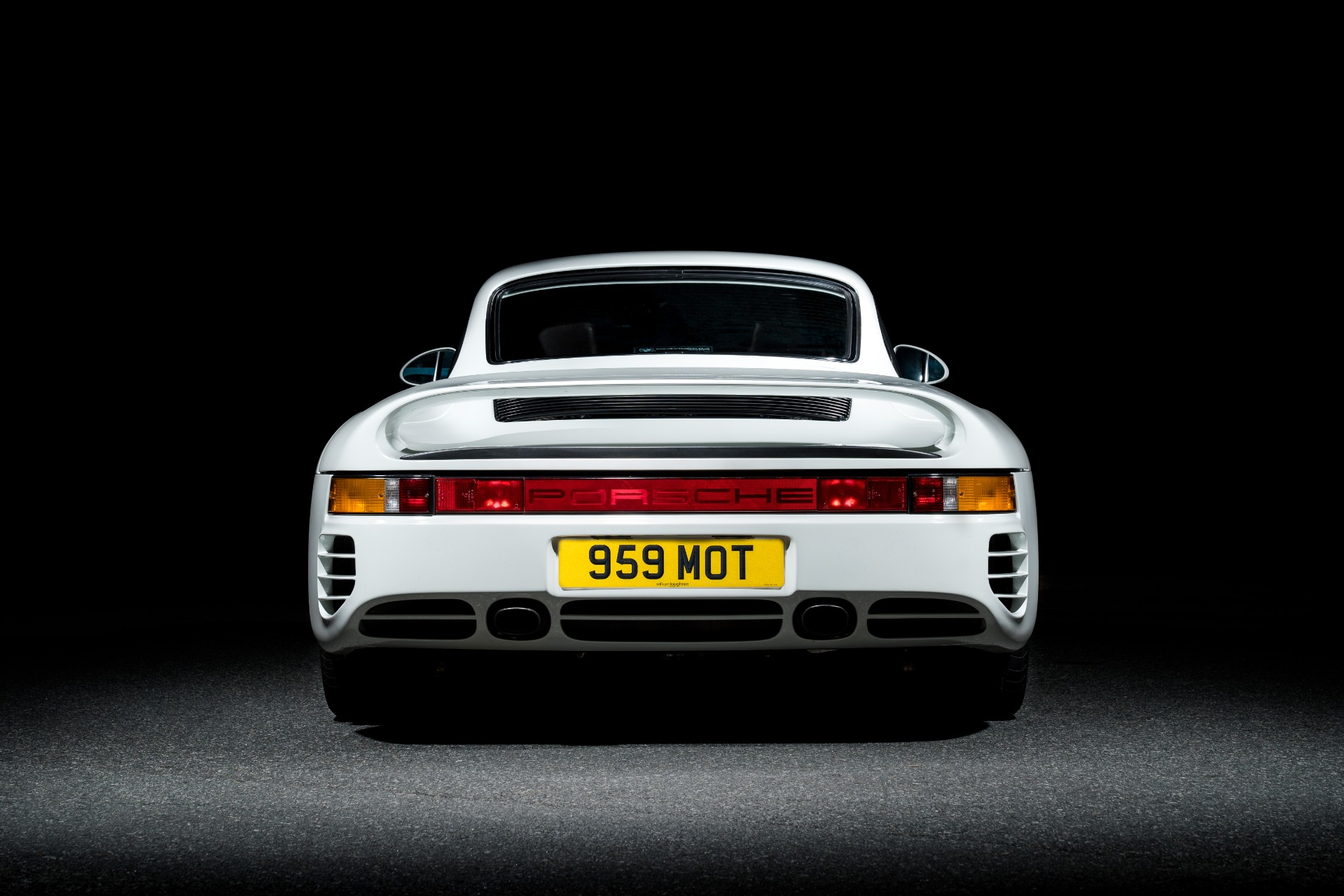 Used 1988 Porsche 959 KOMFORT COUPE / AWD / 6-SPEED MANUAL / ORIGINAL SUPERCAR for sale $1,399,999 at Formula Imports in Charlotte NC 28227 7