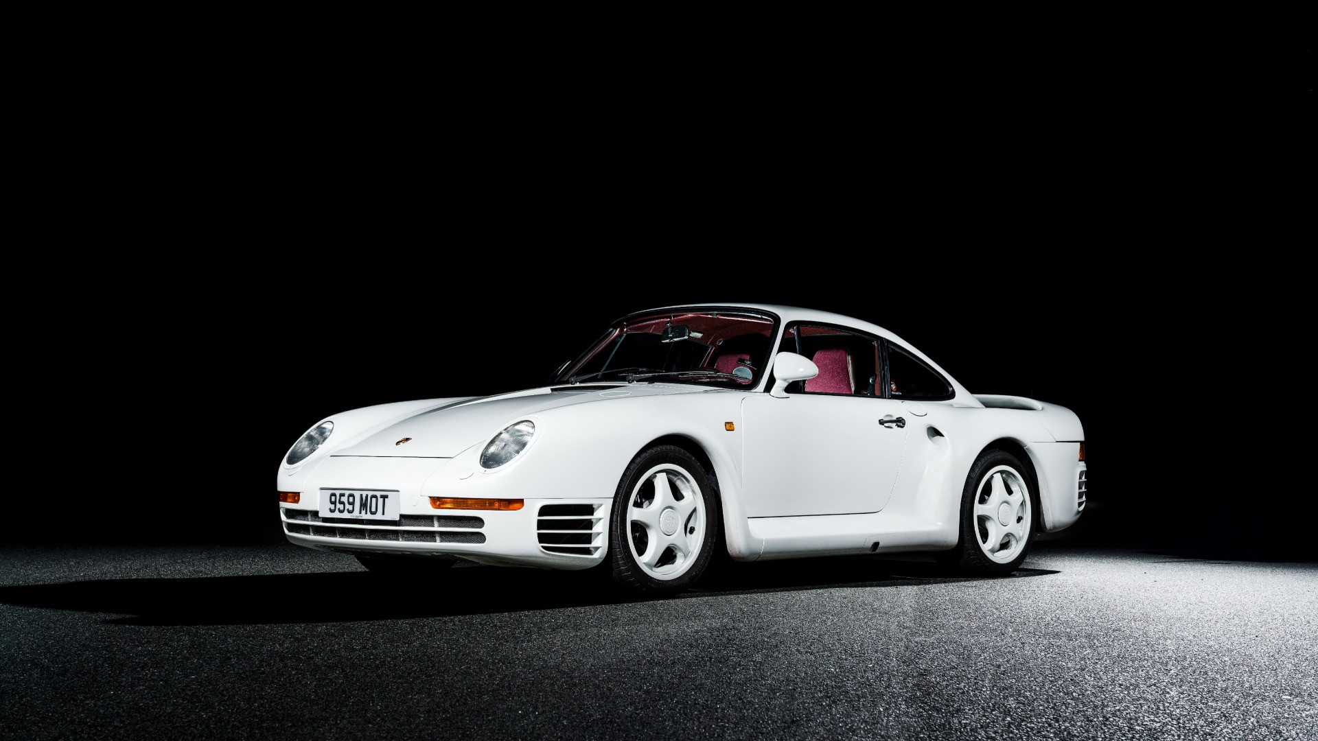 Used 1988 Porsche 959 KOMFORT COUPE / AWD / 6-SPEED MANUAL / ORIGINAL SUPERCAR for sale $1,425,000 at Formula Imports in Charlotte NC 28227 1