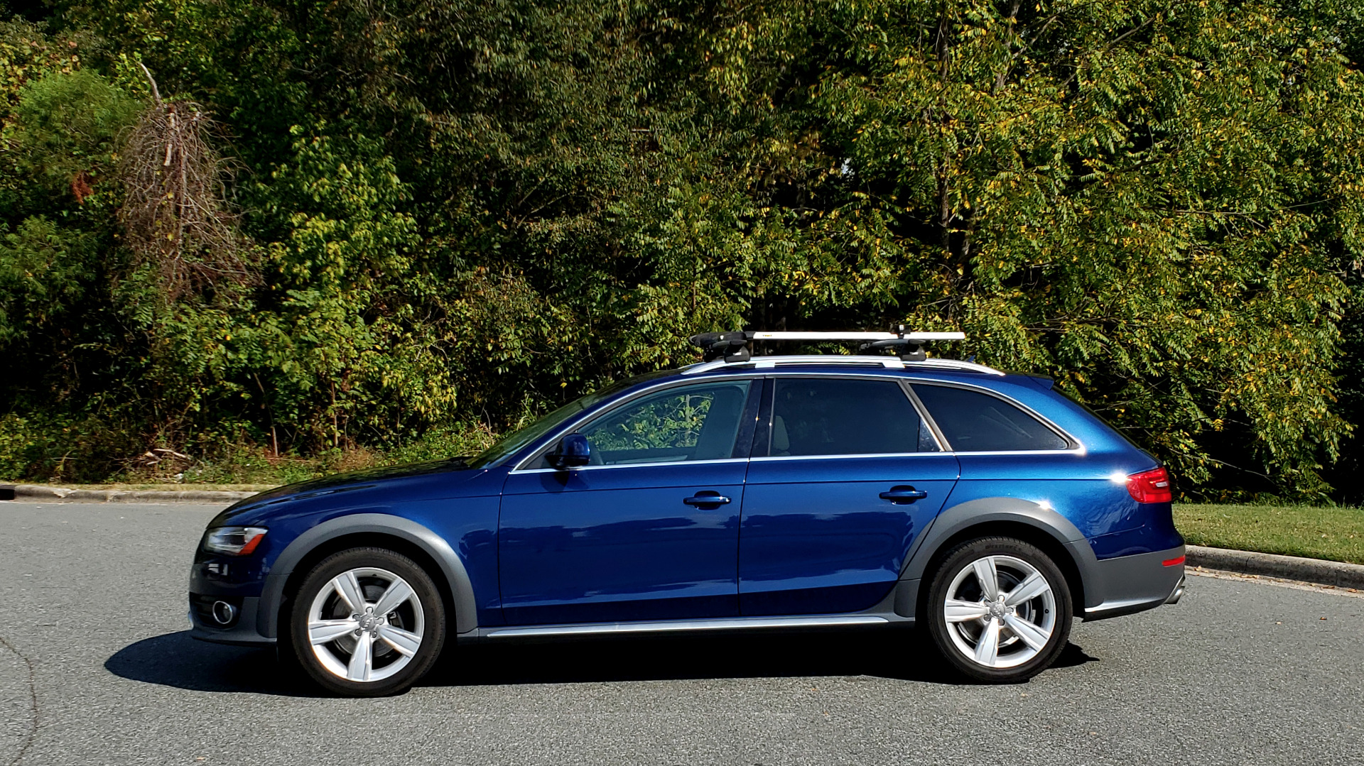 Used 2015 Audi ALLROADS PREMIUM / SUNROOF / ROOF-RACK / 18 INCH WHEELS for sale Sold at Formula Imports in Charlotte NC 28227 2