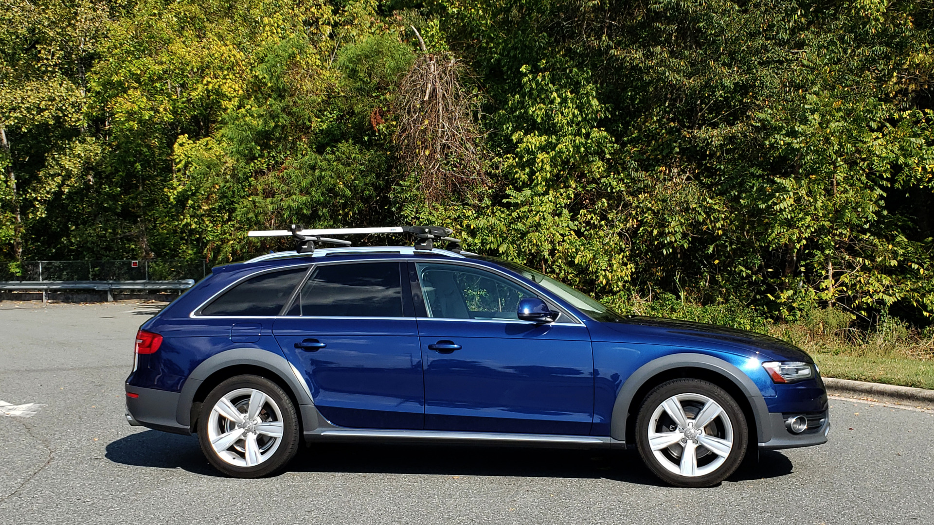 Used 2015 Audi ALLROADS PREMIUM / SUNROOF / ROOF-RACK / 18 INCH WHEELS for sale Sold at Formula Imports in Charlotte NC 28227 9