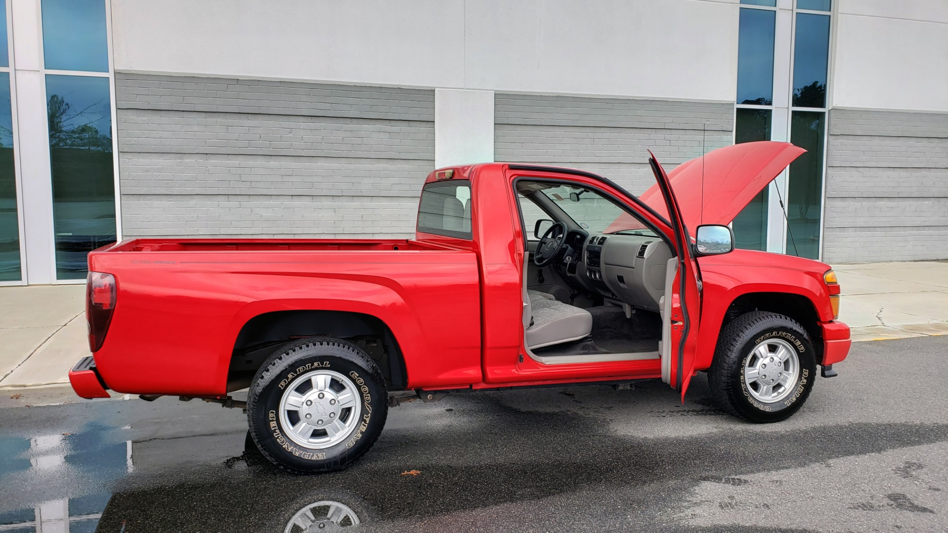 Used 2008 Chevrolet COLORADO LS 2WD / REG CAB / 2.9L 4-CYL / 4-SPD AUTO / NEW CARPET for sale Sold at Formula Imports in Charlotte NC 28227 12