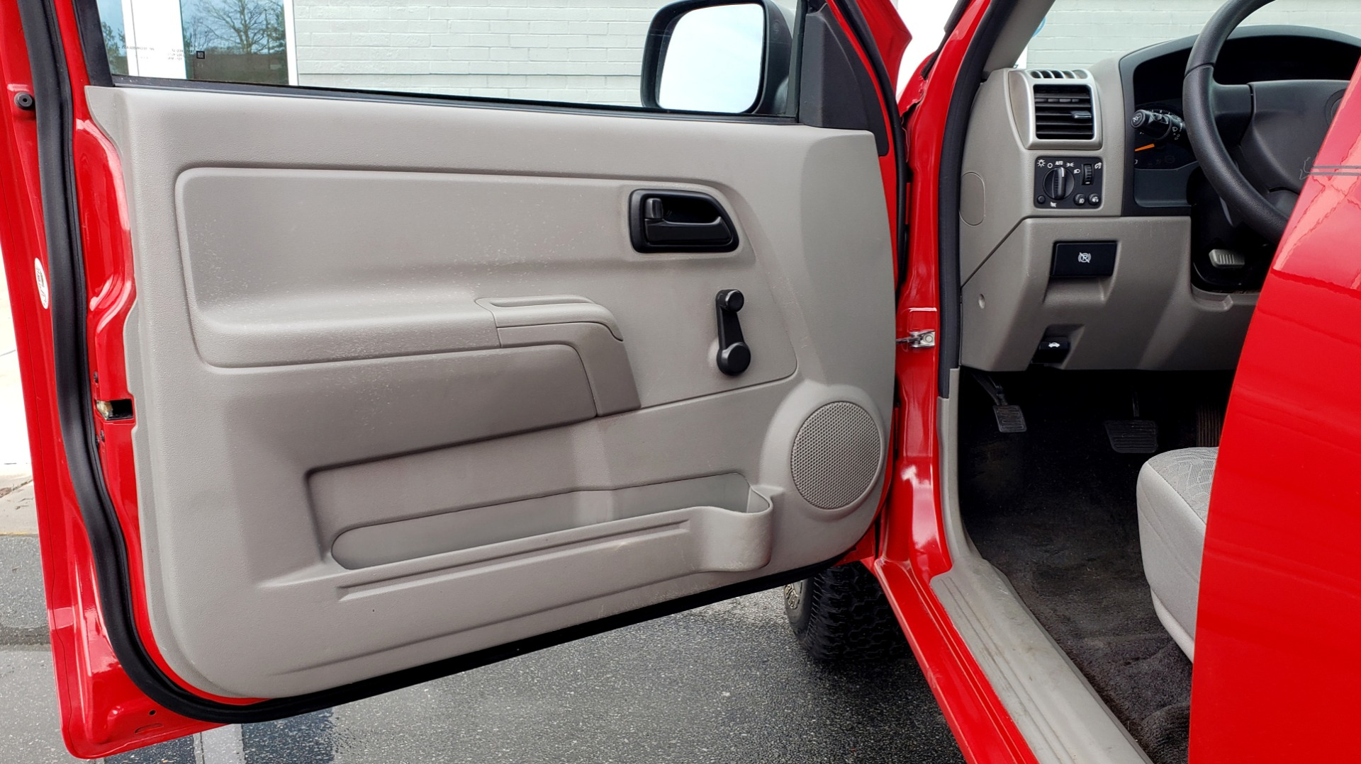 Used 2008 Chevrolet COLORADO LS 2WD / REG CAB / 2.9L 4-CYL / 4-SPD AUTO / NEW CARPET for sale Sold at Formula Imports in Charlotte NC 28227 27