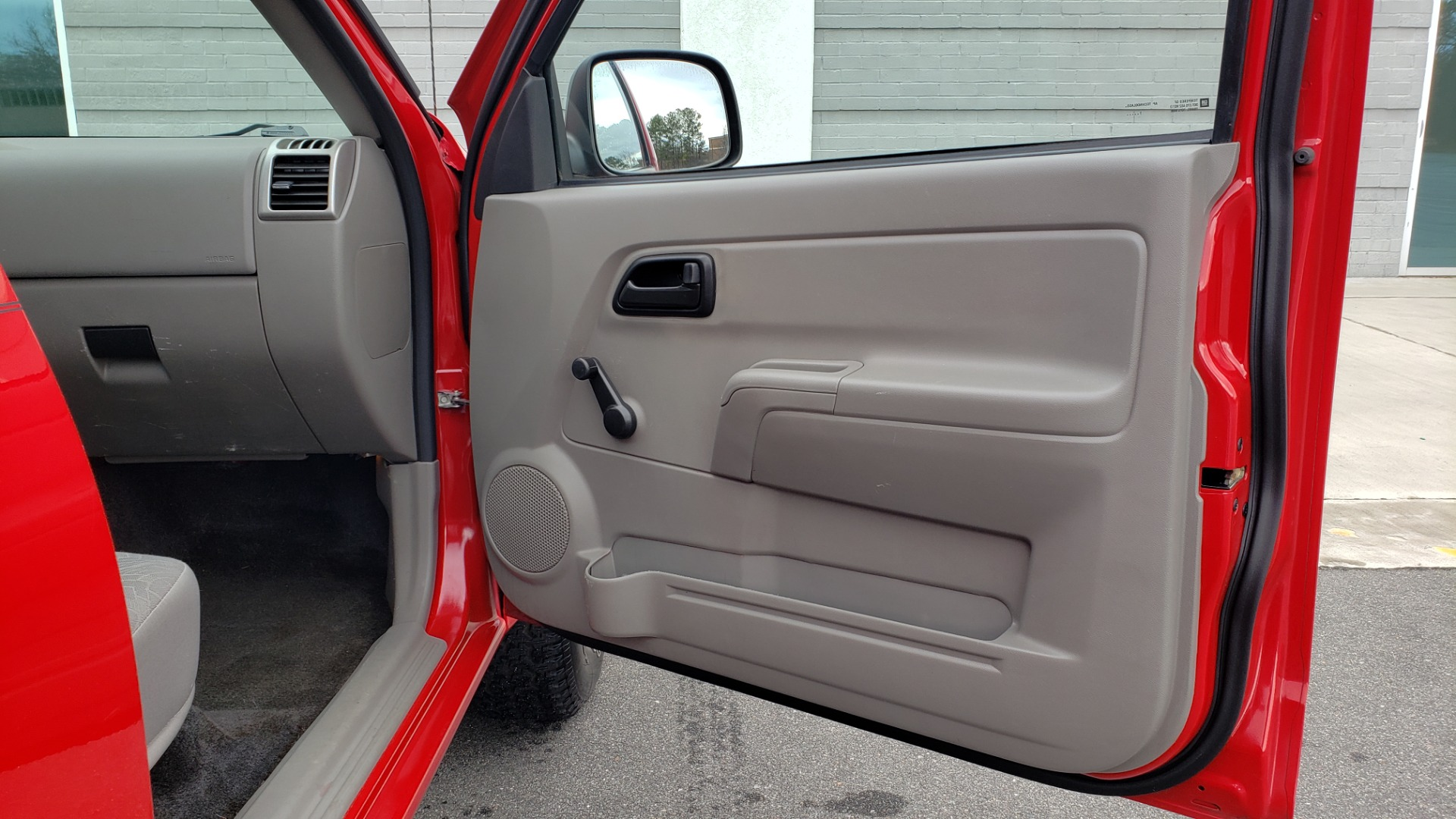 Used 2008 Chevrolet COLORADO LS 2WD / REG CAB / 2.9L 4-CYL / 4-SPD AUTO / NEW CARPET for sale Sold at Formula Imports in Charlotte NC 28227 39