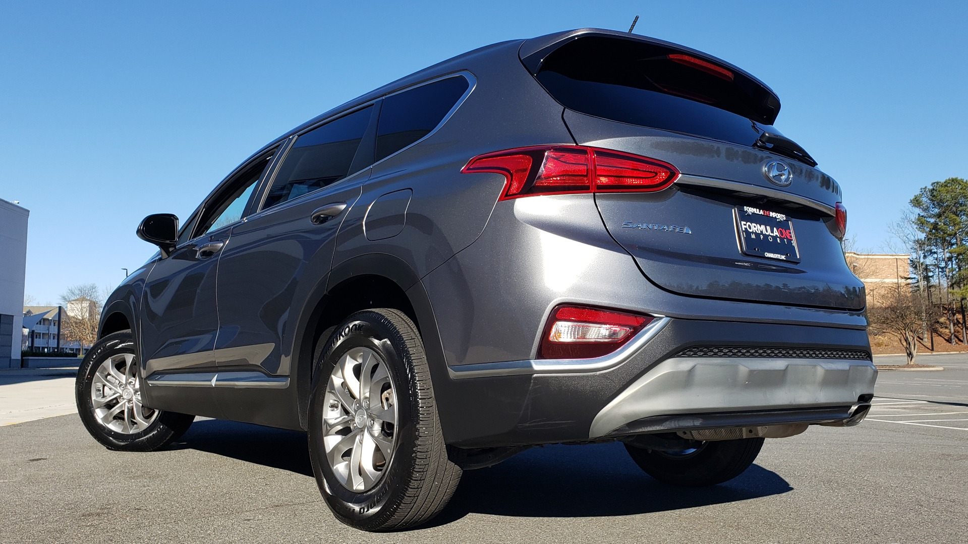 Used 2019 Hyundai SANTA FE SE / 2.4L 4-CYL / 8-SPD AUTO / BLIND SPOT / LANE KEEP ASSIST for sale Sold at Formula Imports in Charlotte NC 28227 11