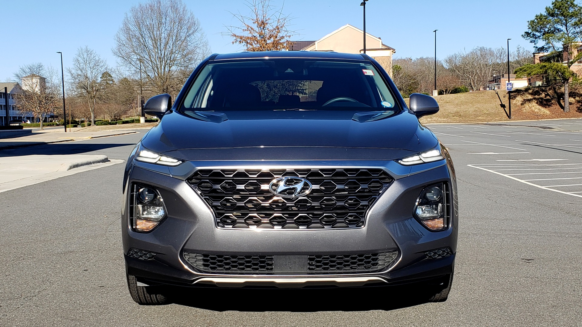 Used 2019 Hyundai SANTA FE SE / 2.4L 4-CYL / 8-SPD AUTO / BLIND SPOT / LANE KEEP ASSIST for sale Sold at Formula Imports in Charlotte NC 28227 24