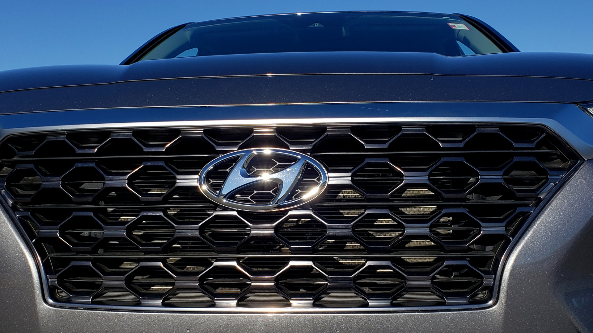Used 2019 Hyundai SANTA FE SE / 2.4L 4-CYL / 8-SPD AUTO / BLIND SPOT / LANE KEEP ASSIST for sale Sold at Formula Imports in Charlotte NC 28227 27