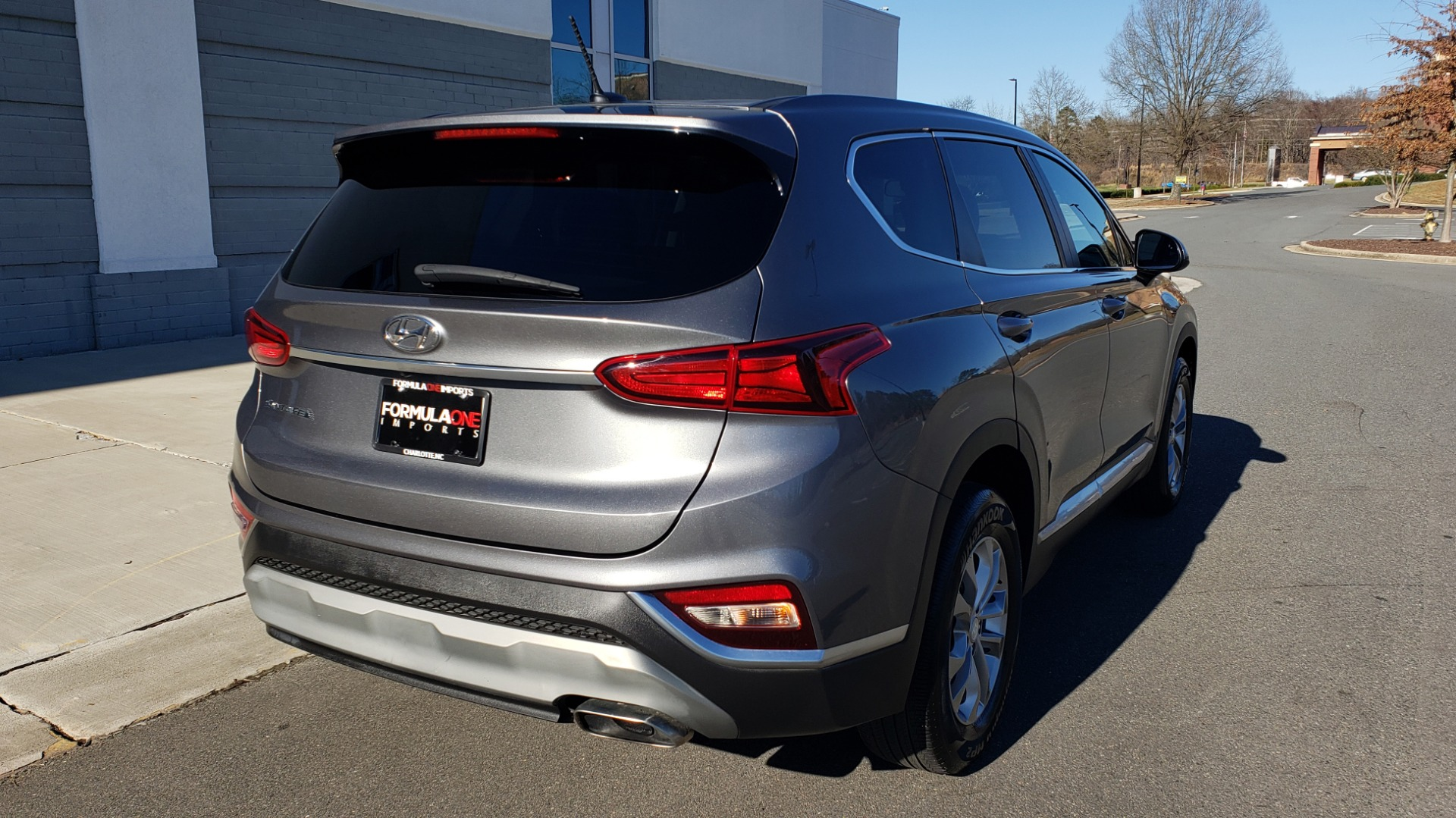 Used 2019 Hyundai SANTA FE SE / 2.4L 4-CYL / 8-SPD AUTO / BLIND SPOT / LANE KEEP ASSIST for sale Sold at Formula Imports in Charlotte NC 28227 3