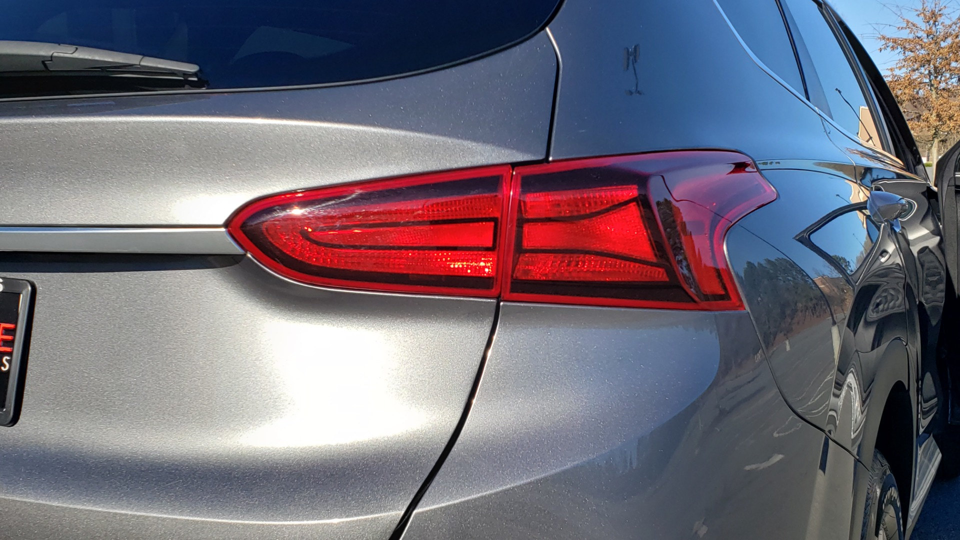 Used 2019 Hyundai SANTA FE SE / 2.4L 4-CYL / 8-SPD AUTO / BLIND SPOT / LANE KEEP ASSIST for sale Sold at Formula Imports in Charlotte NC 28227 33