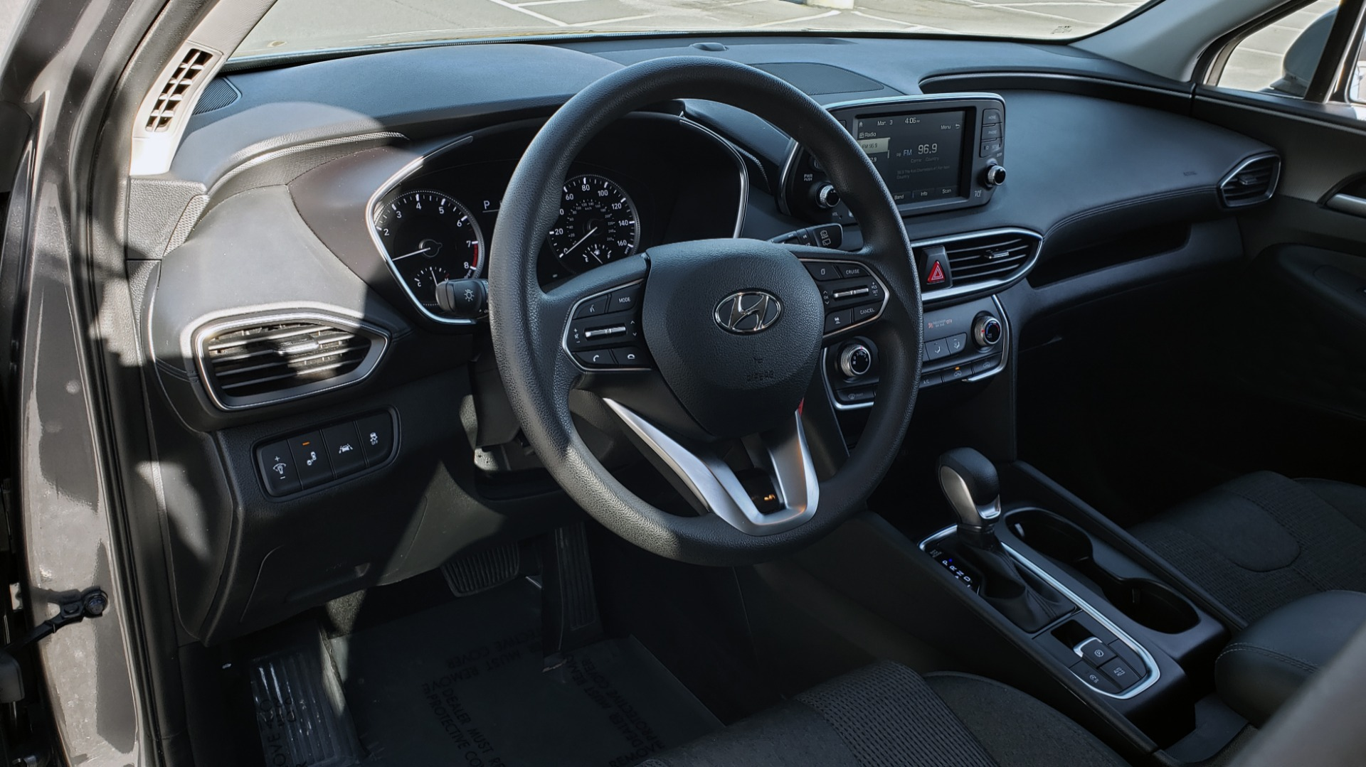 Used 2019 Hyundai SANTA FE SE / 2.4L 4-CYL / 8-SPD AUTO / BLIND SPOT / LANE KEEP ASSIST for sale Sold at Formula Imports in Charlotte NC 28227 38
