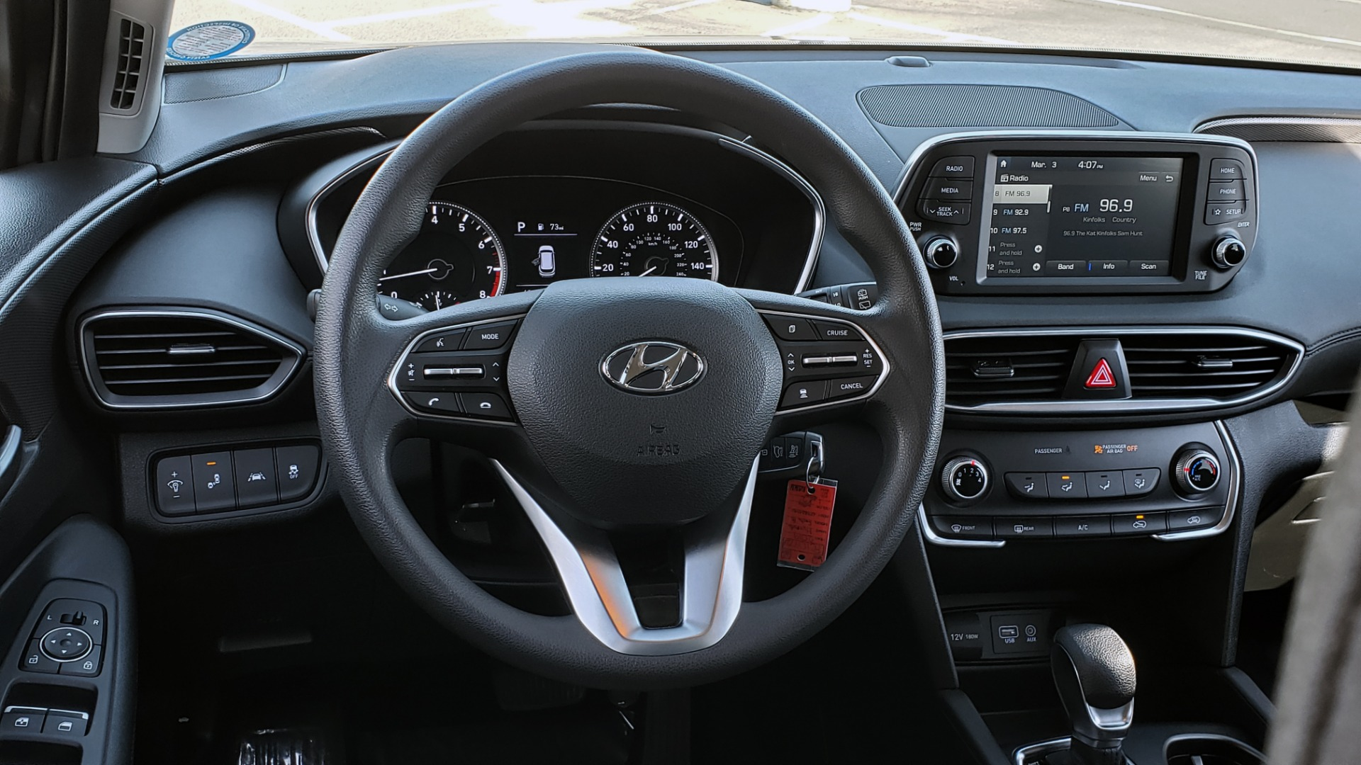 Used 2019 Hyundai SANTA FE SE / 2.4L 4-CYL / 8-SPD AUTO / BLIND SPOT / LANE KEEP ASSIST for sale Sold at Formula Imports in Charlotte NC 28227 43