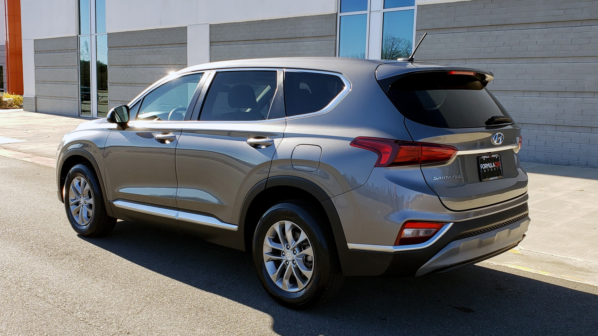 Used 2019 Hyundai SANTA FE SE / 2.4L 4-CYL / 8-SPD AUTO / BLIND SPOT / LANE KEEP ASSIST for sale Sold at Formula Imports in Charlotte NC 28227 7