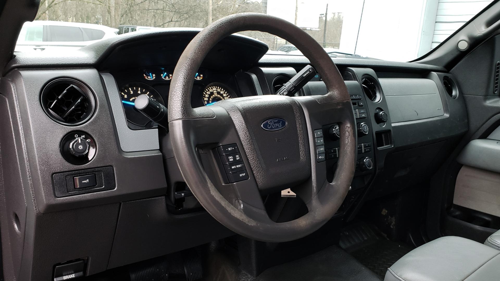 Used 2014 Ford F-150 XL / 2WD / V6 / AUTO / LONG BED / 145IN WB / WORK TRUCK for sale Sold at Formula Imports in Charlotte NC 28227 29