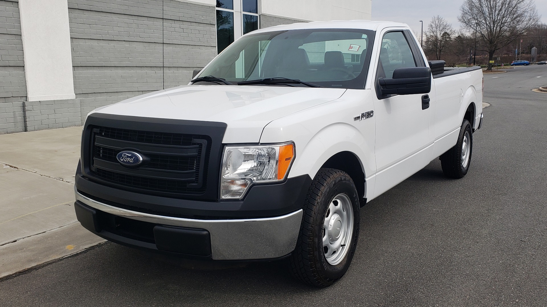 Used 2014 Ford F-150 XL / 2WD / V6 / AUTO / LONG BED / 145IN WB / WORK TRUCK for sale Sold at Formula Imports in Charlotte NC 28227 1