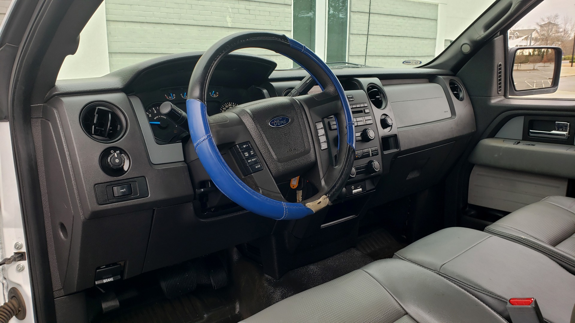 Used 2014 Ford F-150 XL 4X2 REGULAR CAB / 3.7L V6 / 6-SPD AUTO / CRUISE CONTROL for sale $11,995 at Formula Imports in Charlotte NC 28227 35