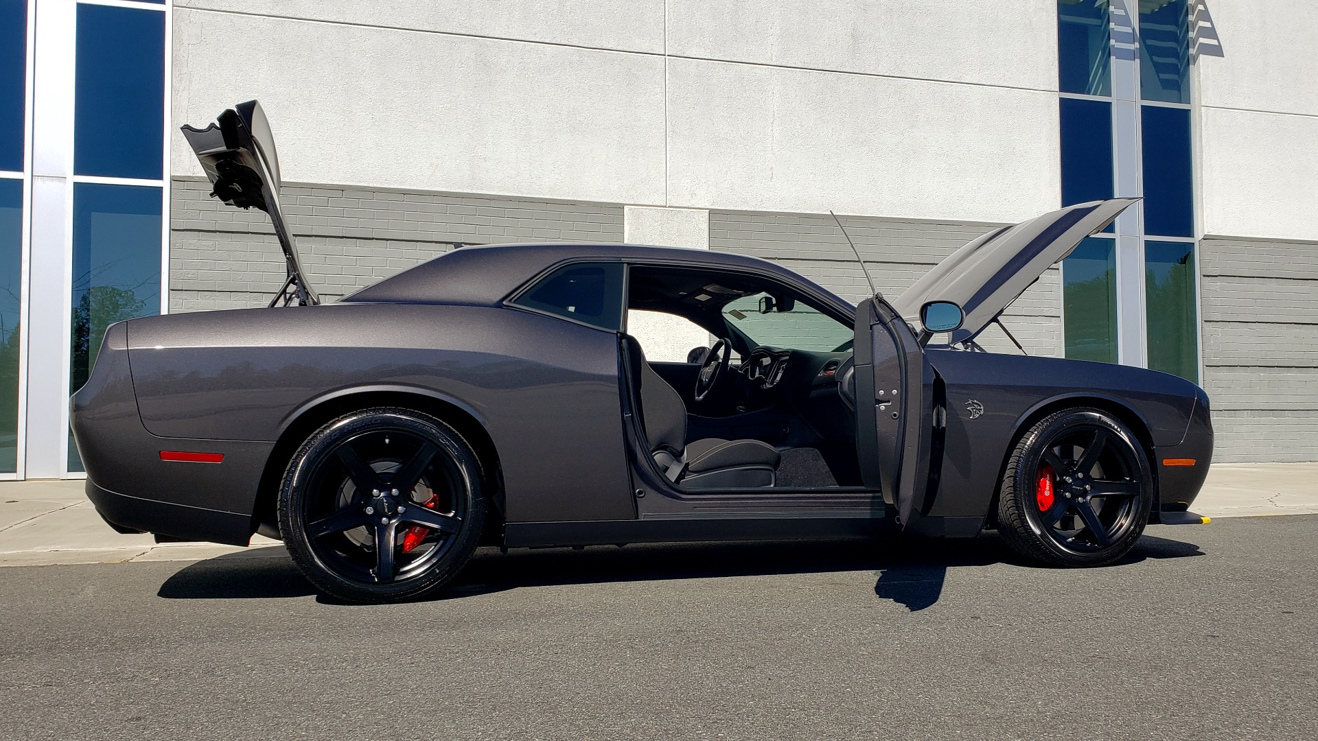 Used 2020 Dodge CHALLENGER SRT HELLCAT (717HP) / NAV / AUTO / CLOTH / REARVIEW / LOW MILES for sale Sold at Formula Imports in Charlotte NC 28227 14