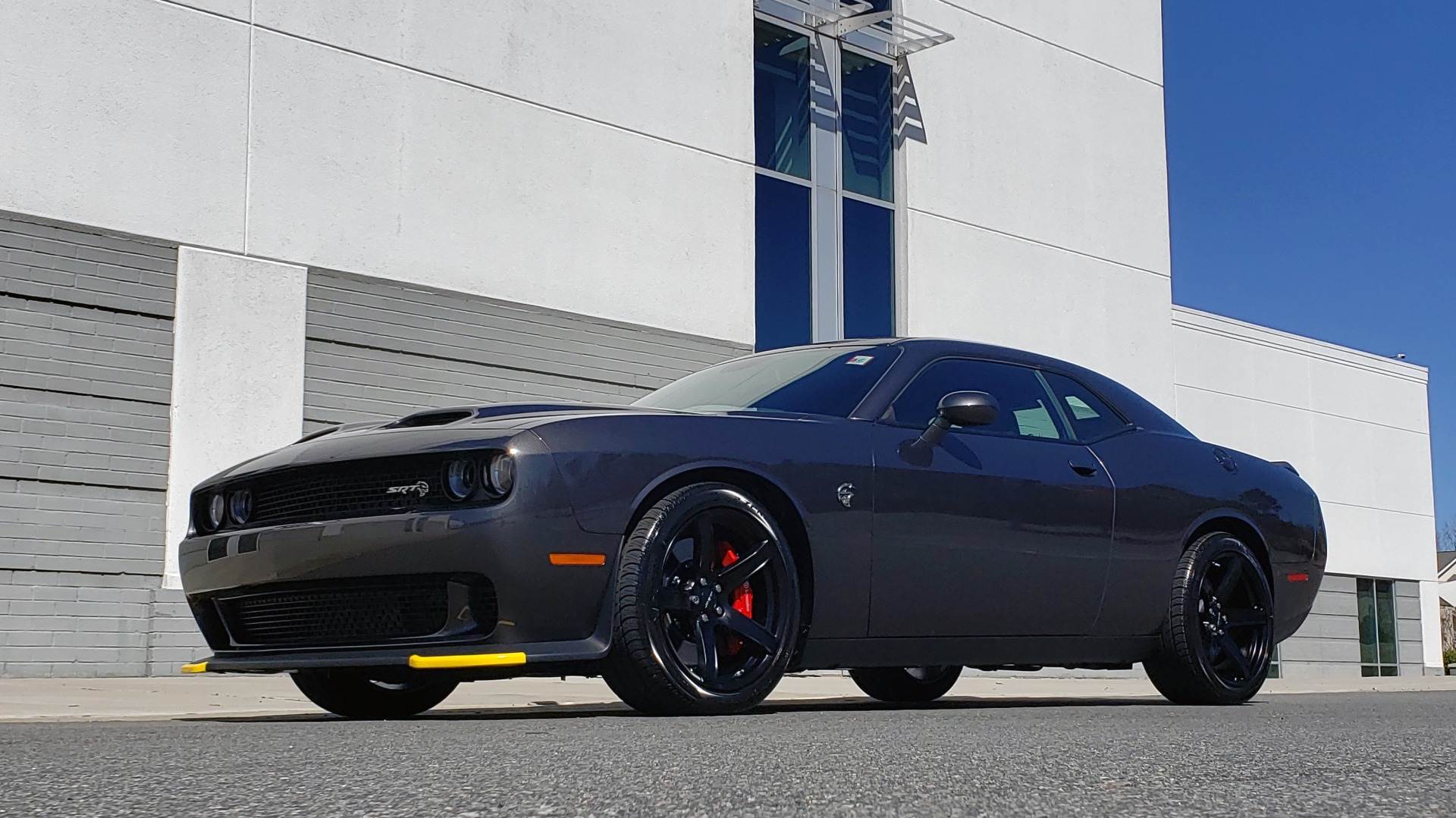 Used 2020 Dodge CHALLENGER SRT HELLCAT (717HP) / NAV / AUTO / CLOTH / REARVIEW / LOW MILES for sale $64,999 at Formula Imports in Charlotte NC 28227 2