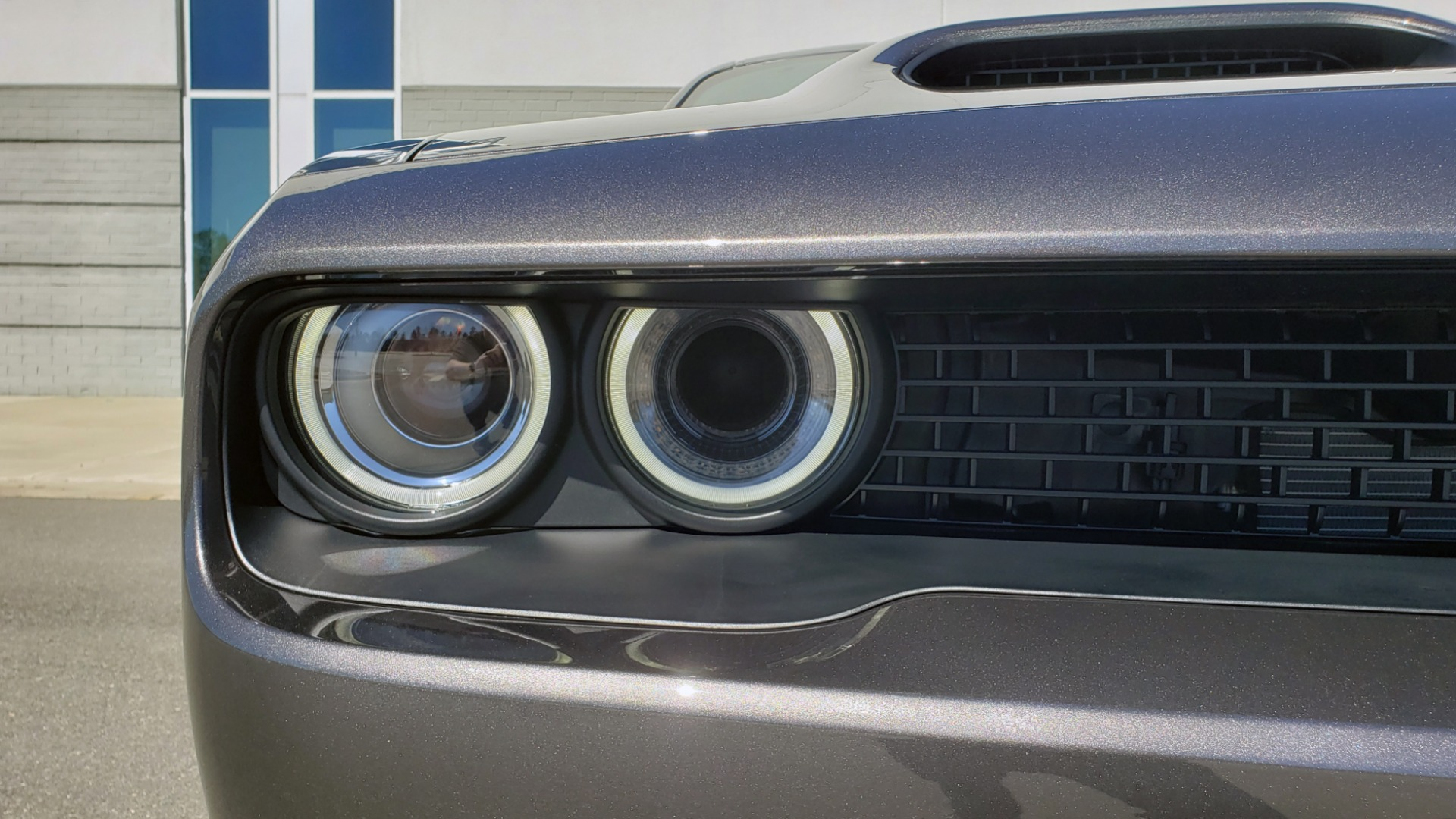 Used 2020 Dodge CHALLENGER SRT HELLCAT (717HP) / NAV / AUTO / CLOTH / REARVIEW / LOW MILES for sale $64,999 at Formula Imports in Charlotte NC 28227 24