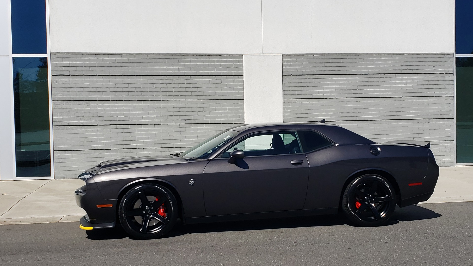 Used 2020 Dodge CHALLENGER SRT HELLCAT (717HP) / NAV / AUTO / CLOTH / REARVIEW / LOW MILES for sale Sold at Formula Imports in Charlotte NC 28227 3