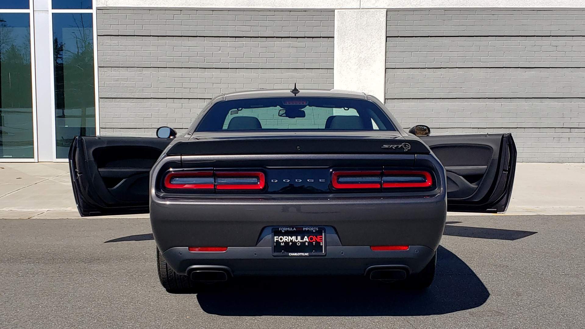 Used 2020 Dodge CHALLENGER SRT HELLCAT (717HP) / NAV / AUTO / CLOTH / REARVIEW / LOW MILES for sale $64,999 at Formula Imports in Charlotte NC 28227 31