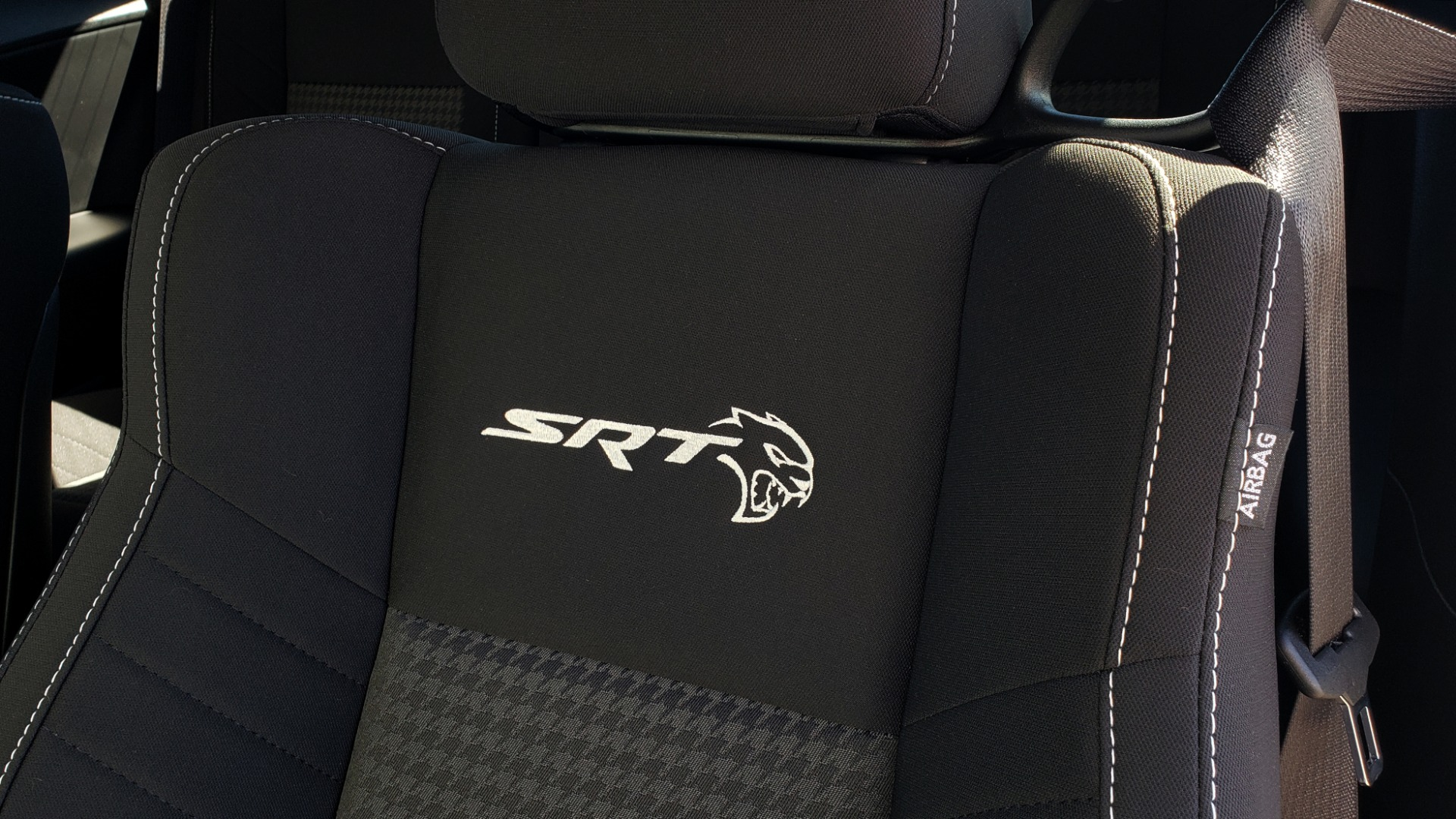 Used 2020 Dodge CHALLENGER SRT HELLCAT (717HP) / NAV / AUTO / CLOTH / REARVIEW / LOW MILES for sale $64,999 at Formula Imports in Charlotte NC 28227 41