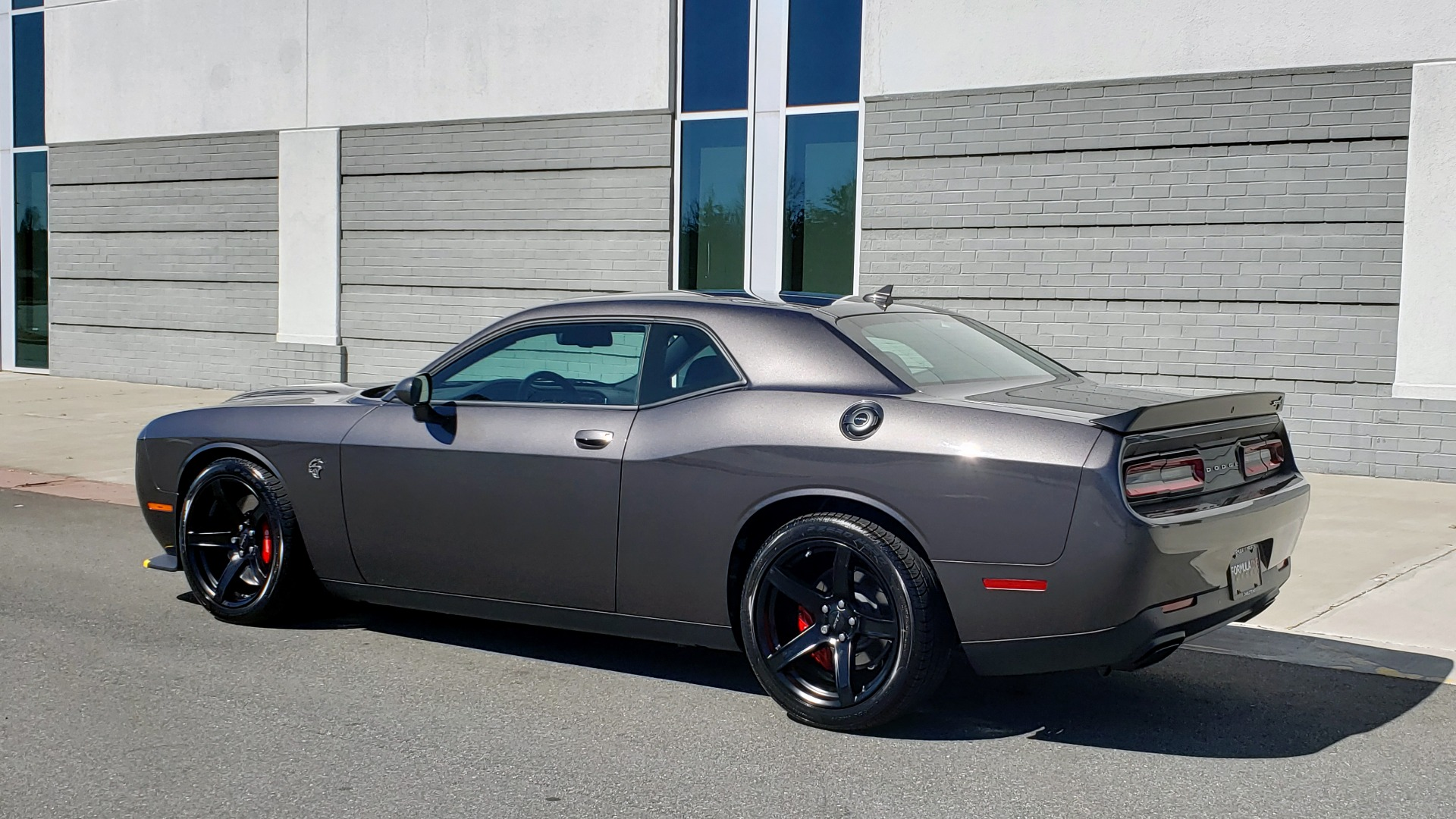 Used 2020 Dodge CHALLENGER SRT HELLCAT (717HP) / NAV / AUTO / CLOTH / REARVIEW / LOW MILES for sale $64,999 at Formula Imports in Charlotte NC 28227 5