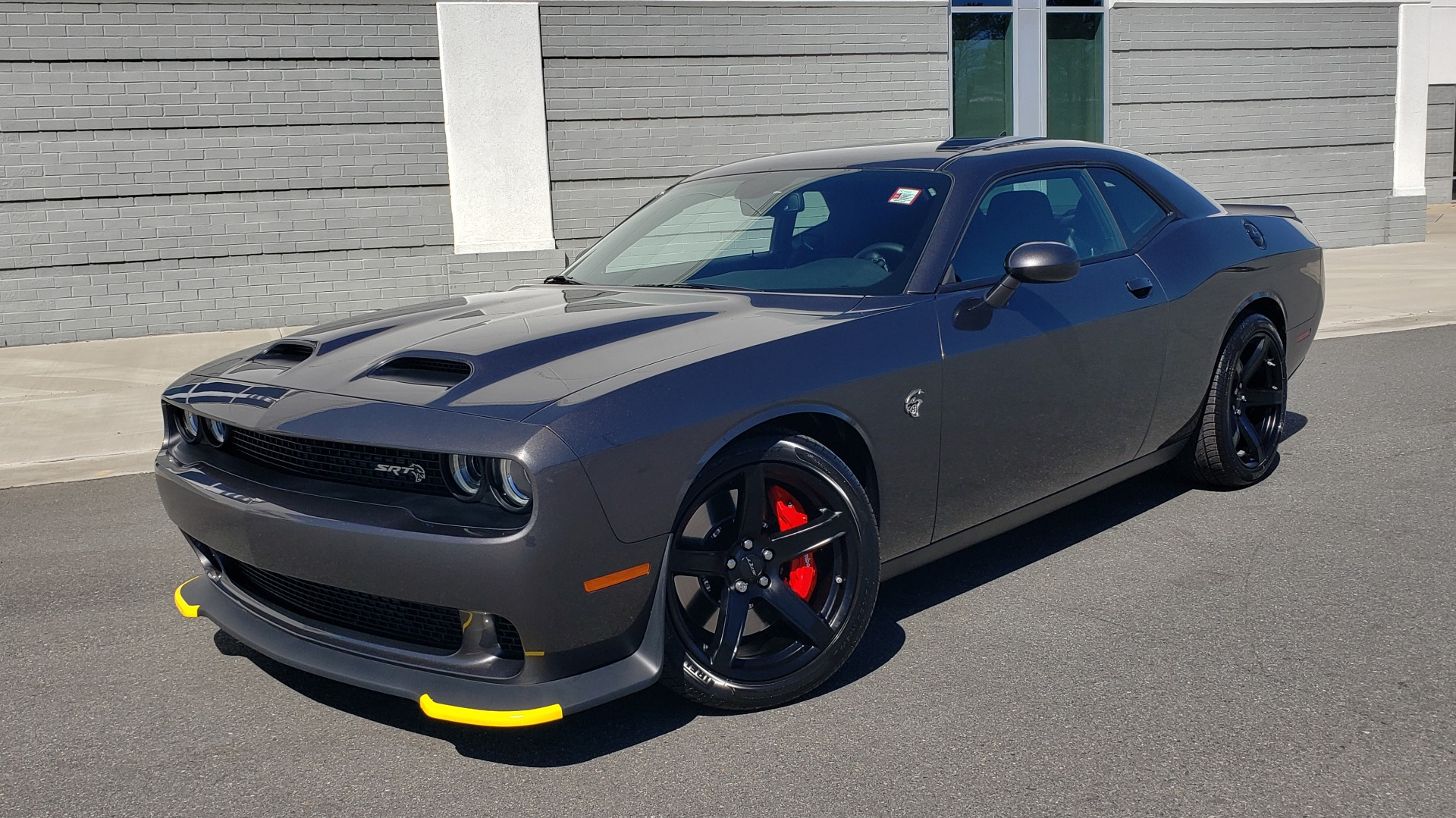 Used 2020 Dodge CHALLENGER SRT HELLCAT (717HP) / NAV / AUTO / CLOTH / REARVIEW / LOW MILES for sale $64,999 at Formula Imports in Charlotte NC 28227 1