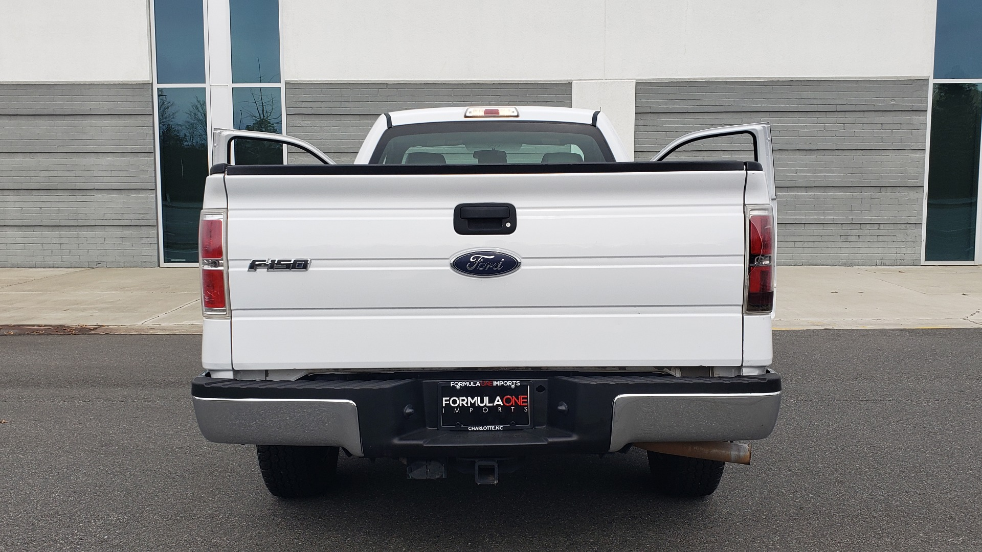 Used 2013 Ford F-150 XL / 2WD / V6 / AUTO / LONG BED / 145IN WB / WORK TRUCK for sale Sold at Formula Imports in Charlotte NC 28227 24