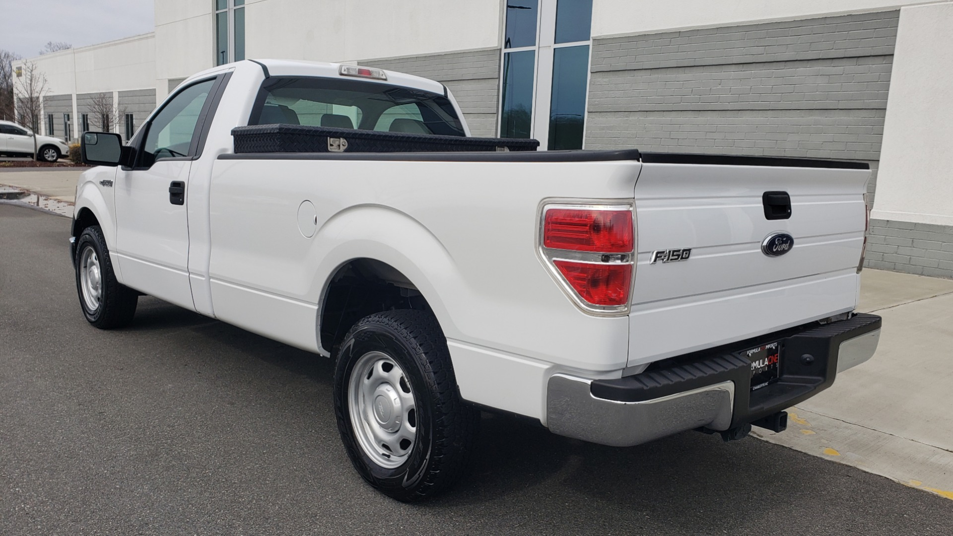 Used 2013 Ford F-150 XL / 2WD / V6 / AUTO / LONG BED / 145IN WB / WORK TRUCK for sale Sold at Formula Imports in Charlotte NC 28227 3