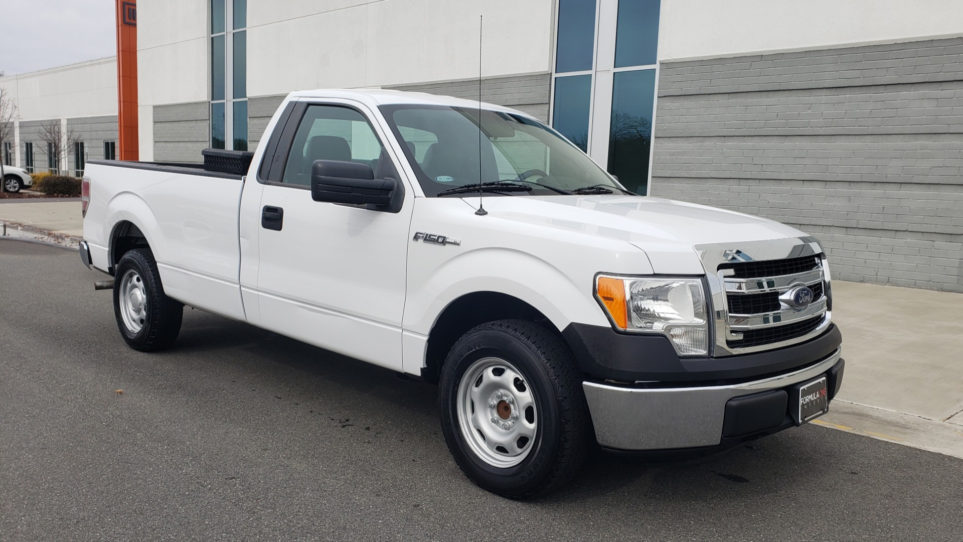 Used 2013 Ford F-150 XL / 2WD / V6 / AUTO / LONG BED / 145IN WB / WORK TRUCK for sale Sold at Formula Imports in Charlotte NC 28227 4