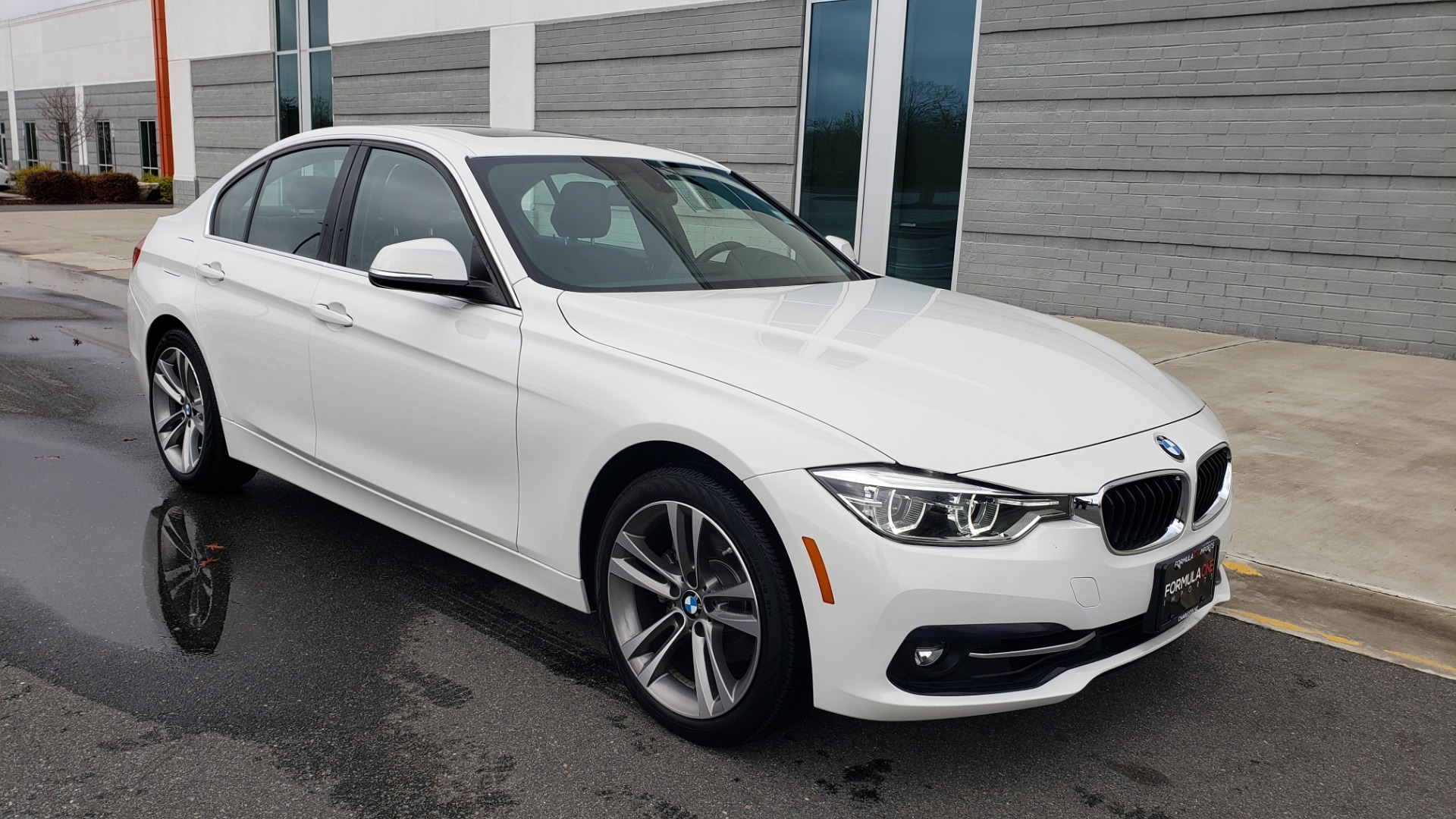 Used 2018 BMW 3 SERIES 330I XDRIVE / CONV PKG / SUNROOF / HTD STS / REARVIEW for sale $24,795 at Formula Imports in Charlotte NC 28227 2