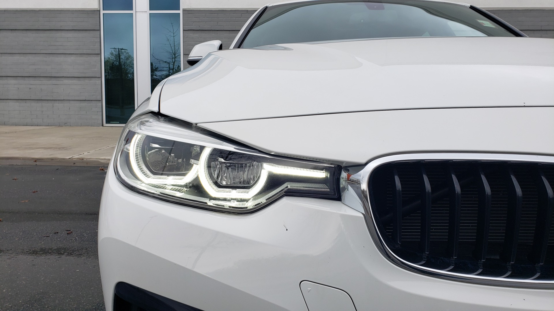 Used 2018 BMW 3 SERIES 330I XDRIVE / CONV PKG / SUNROOF / HTD STS / REARVIEW for sale $24,795 at Formula Imports in Charlotte NC 28227 23