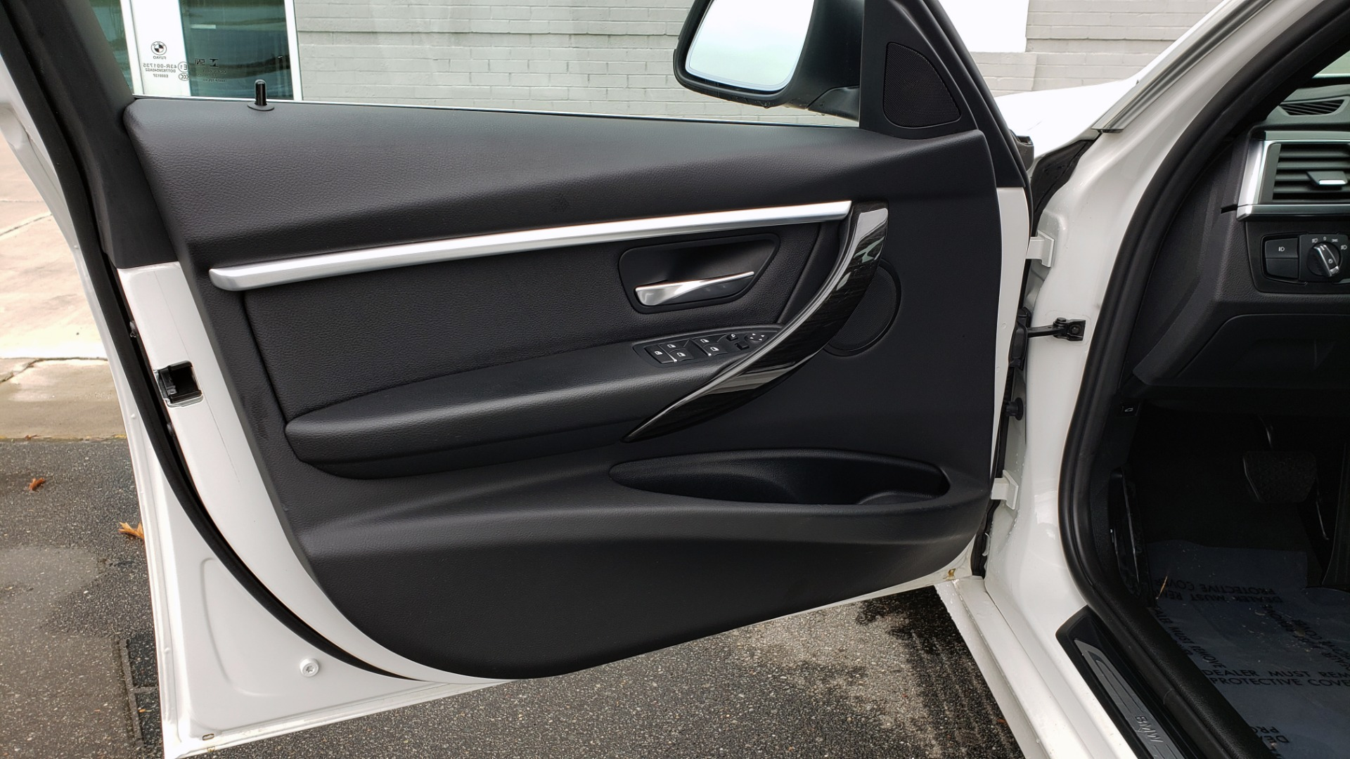 Used 2018 BMW 3 SERIES 330I XDRIVE / CONV PKG / SUNROOF / HTD STS / REARVIEW for sale $24,795 at Formula Imports in Charlotte NC 28227 31