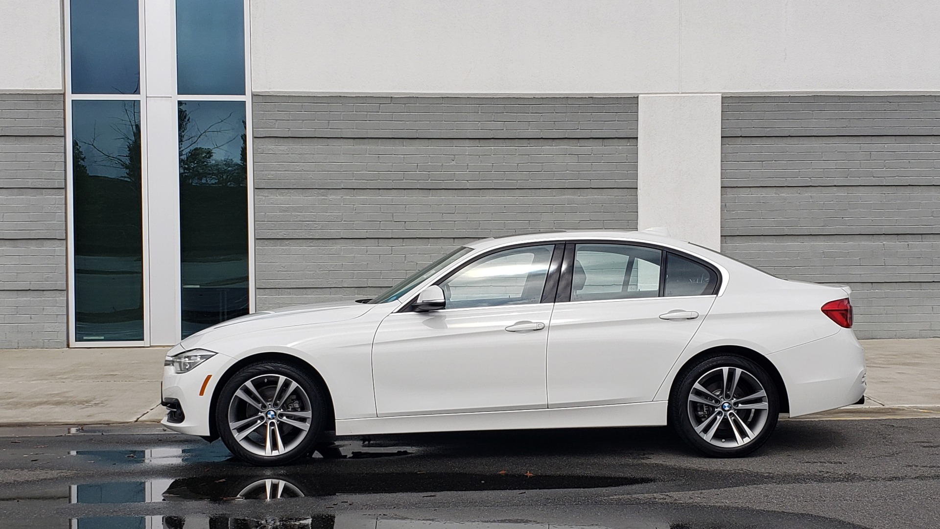 Used 2018 BMW 3 SERIES 330I XDRIVE / CONV PKG / SUNROOF / HTD STS / REARVIEW for sale $24,795 at Formula Imports in Charlotte NC 28227 8