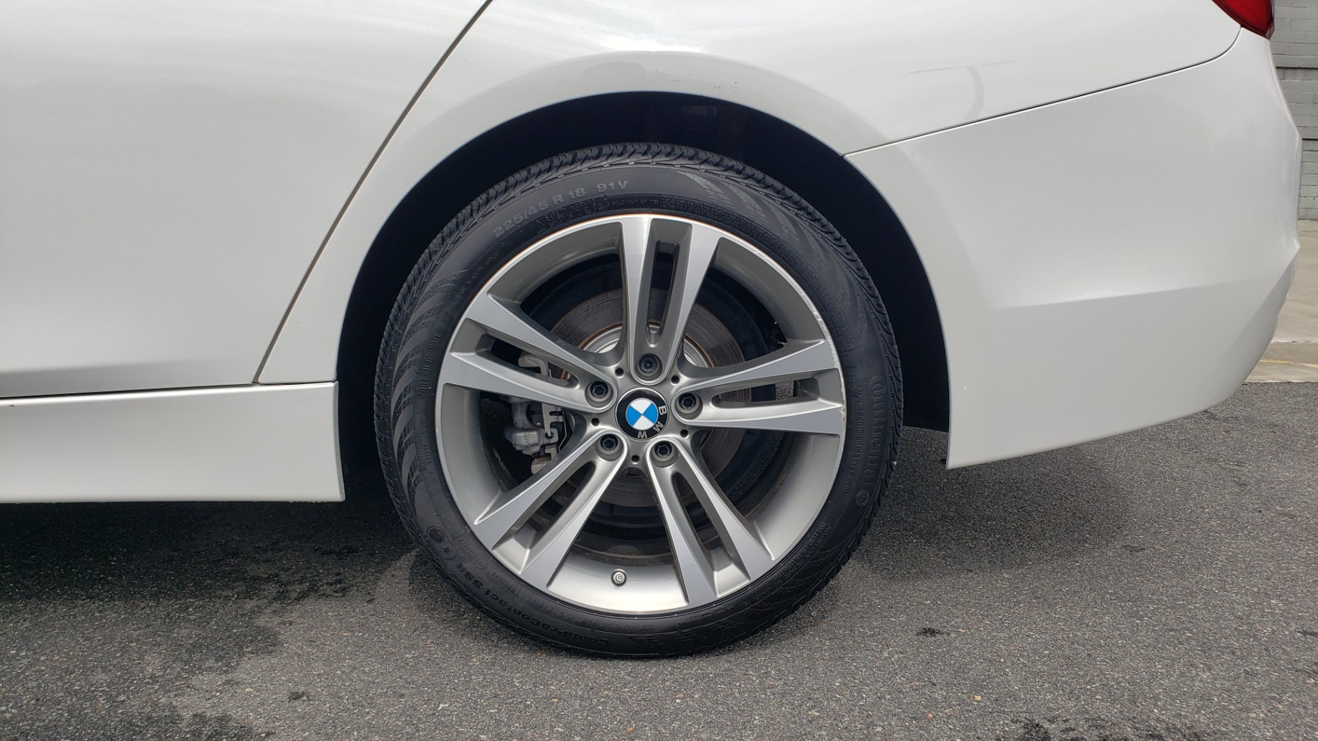 Used 2018 BMW 3 SERIES 330I XDRIVE / CONV PKG / SUNROOF / HTD STS / REARVIEW for sale $24,795 at Formula Imports in Charlotte NC 28227 81