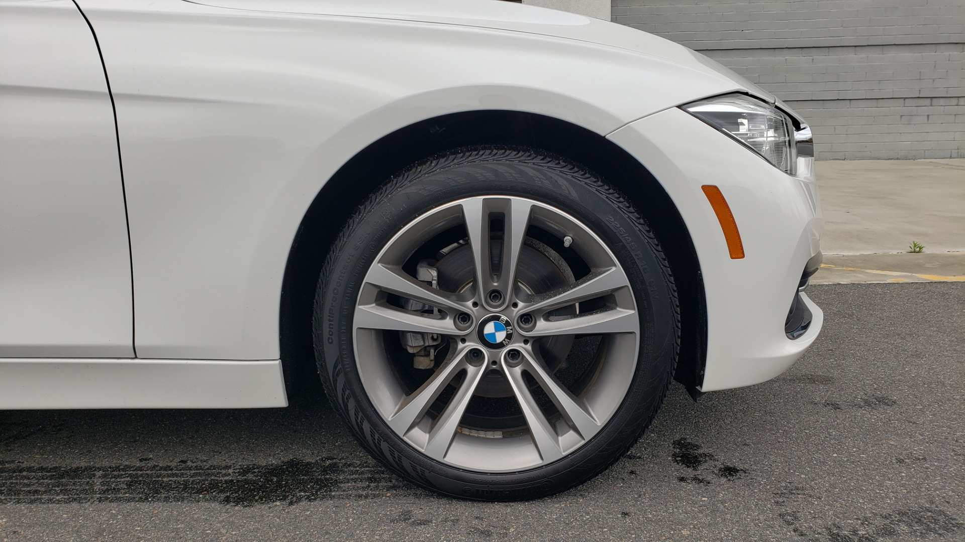 Used 2018 BMW 3 SERIES 330I XDRIVE / CONV PKG / SUNROOF / HTD STS / REARVIEW for sale $24,795 at Formula Imports in Charlotte NC 28227 83