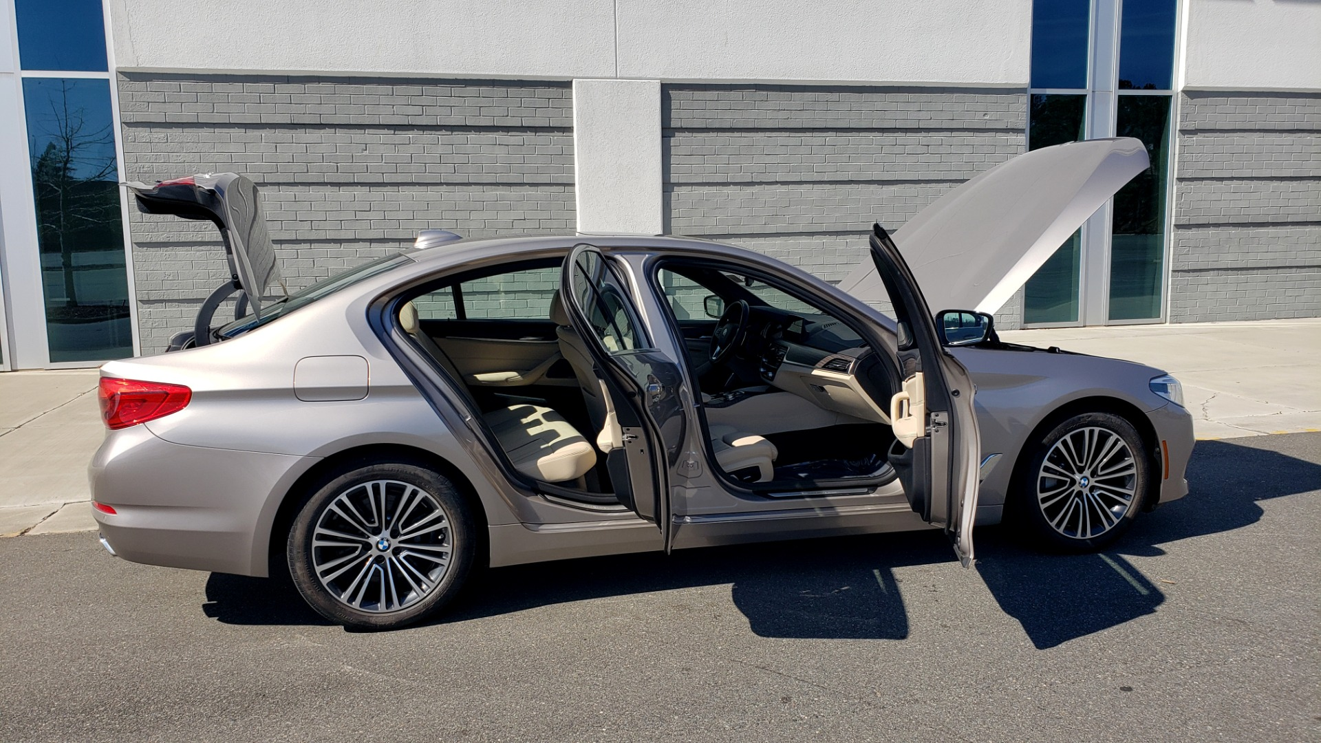 Used 2018 BMW 5 SERIES 540IXDRIVE PREMIUM / DRVR ASST PLUS / LUX PKG / APPLE CARPLAY for sale Sold at Formula Imports in Charlotte NC 28227 10