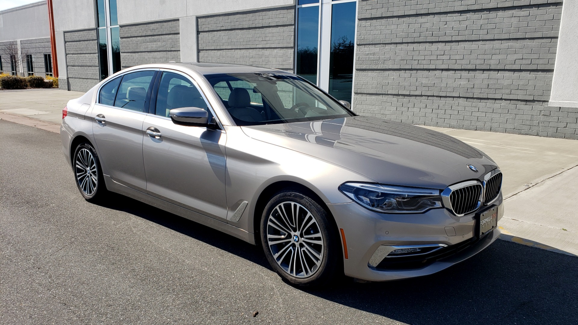Used 2018 BMW 5 SERIES 540IXDRIVE PREMIUM / DRVR ASST PLUS / LUX PKG / APPLE CARPLAY for sale Sold at Formula Imports in Charlotte NC 28227 5